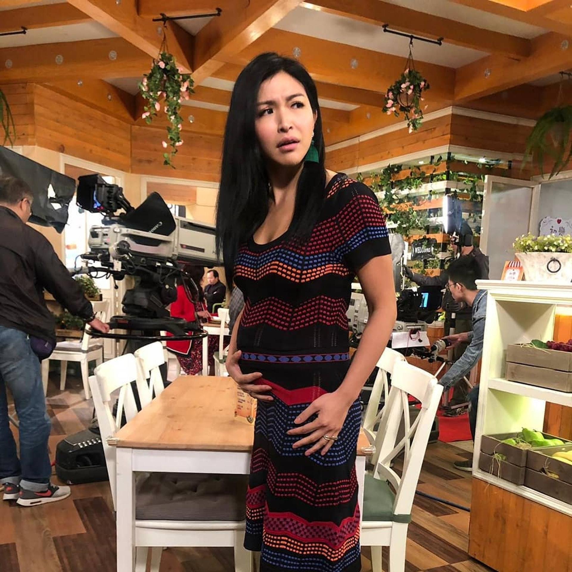 陳偉琪在《愛·回家之開心速遞》中飾演「細龍太」雷珍妮。(IG圖片 / vthechan)