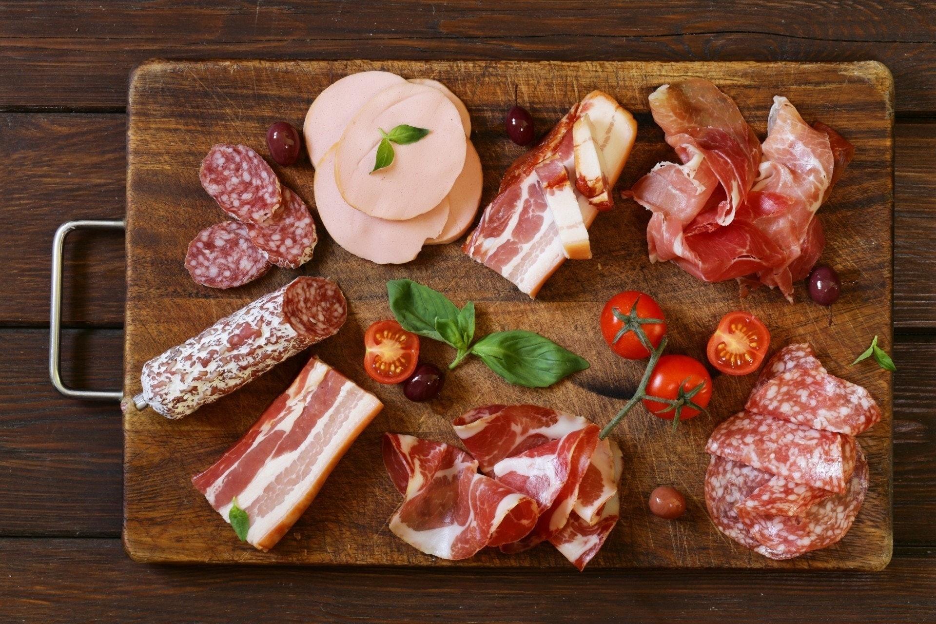 加工食品對人體壞處多,除了嘌呤之外亦容易致癌,不建議常吃。(GettyImages)