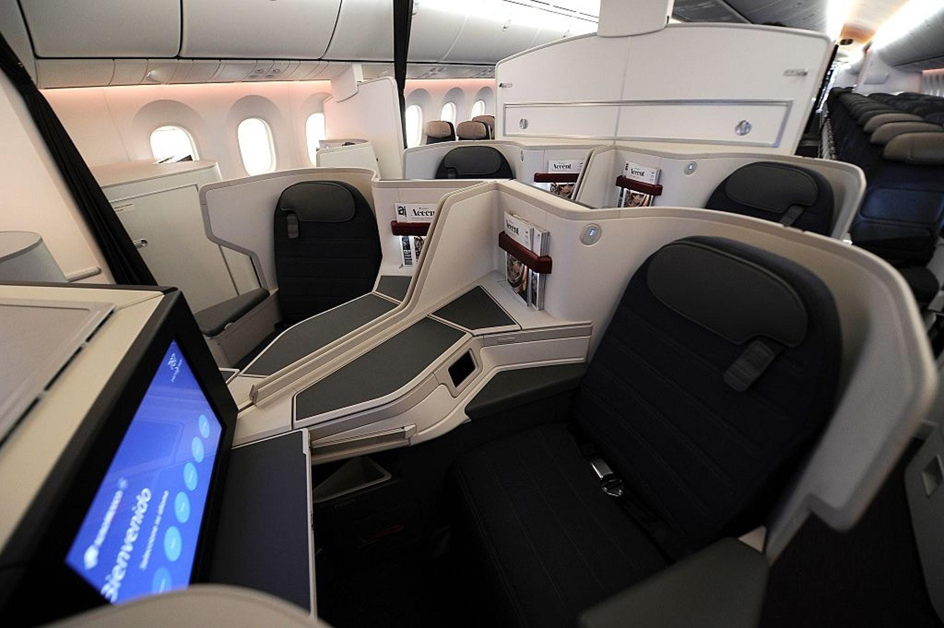 當她醒來,飛機上完全沒有人,艙門也已關閉。更糟糕的是她的手機已經沒電,機上也沒有可以充電的設施。(Getty Images)