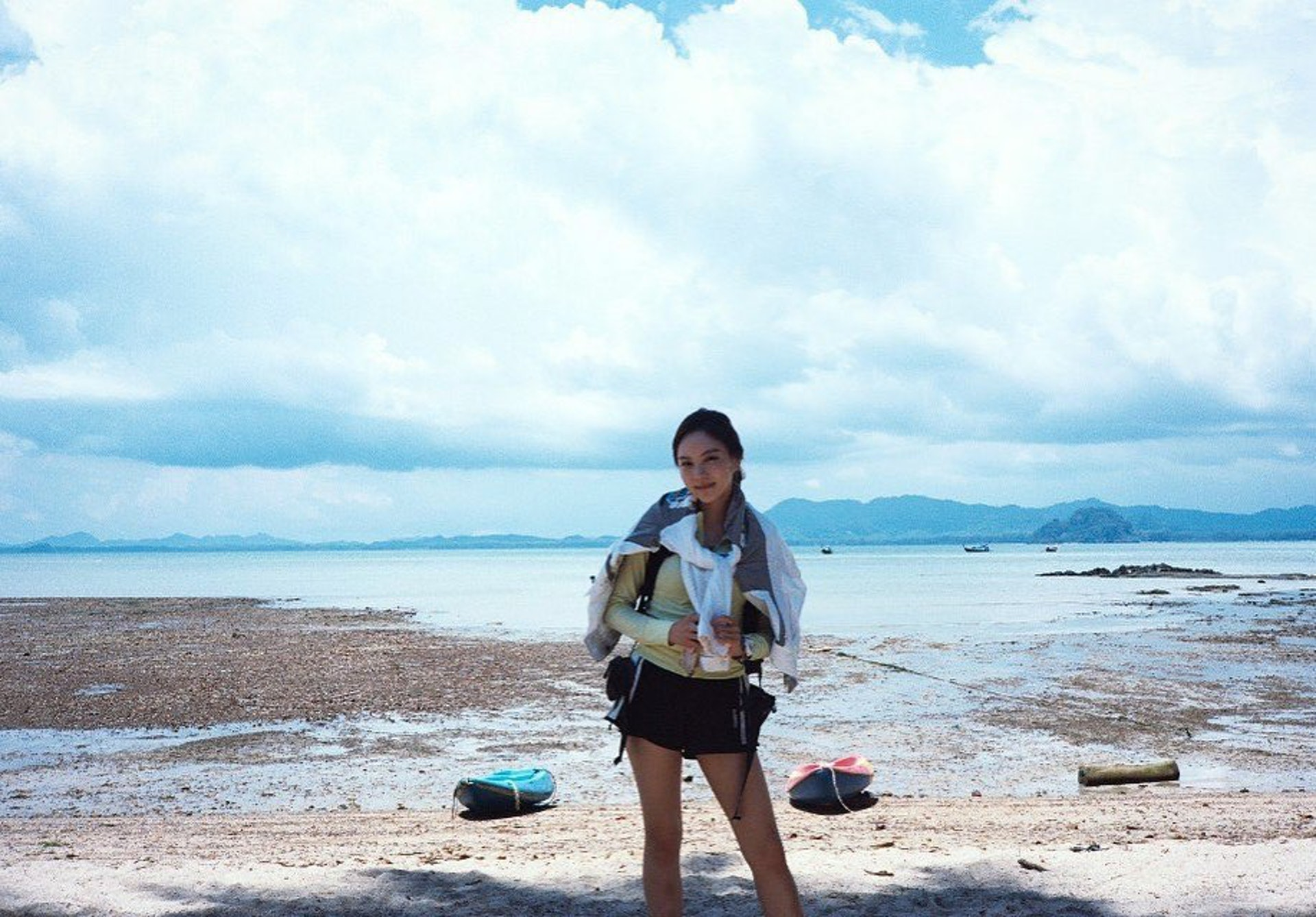 23歲女星李烈音3月赴泰國拍攝《叢林的法則》,未料竟惹來一身蟻。(IG/@yuleumlee)