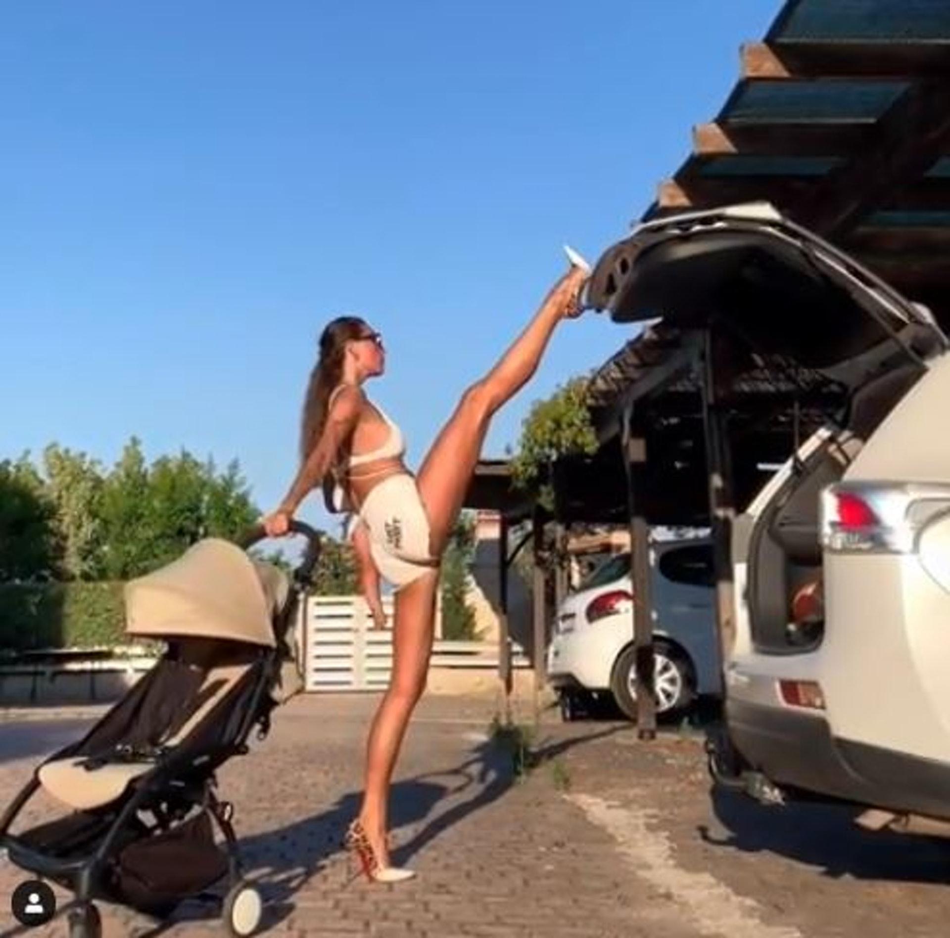 Anna Kanyuk 這招抬腿關車尾範引起一陣熱潮。(IG影片截圖/anna_kanyuk)