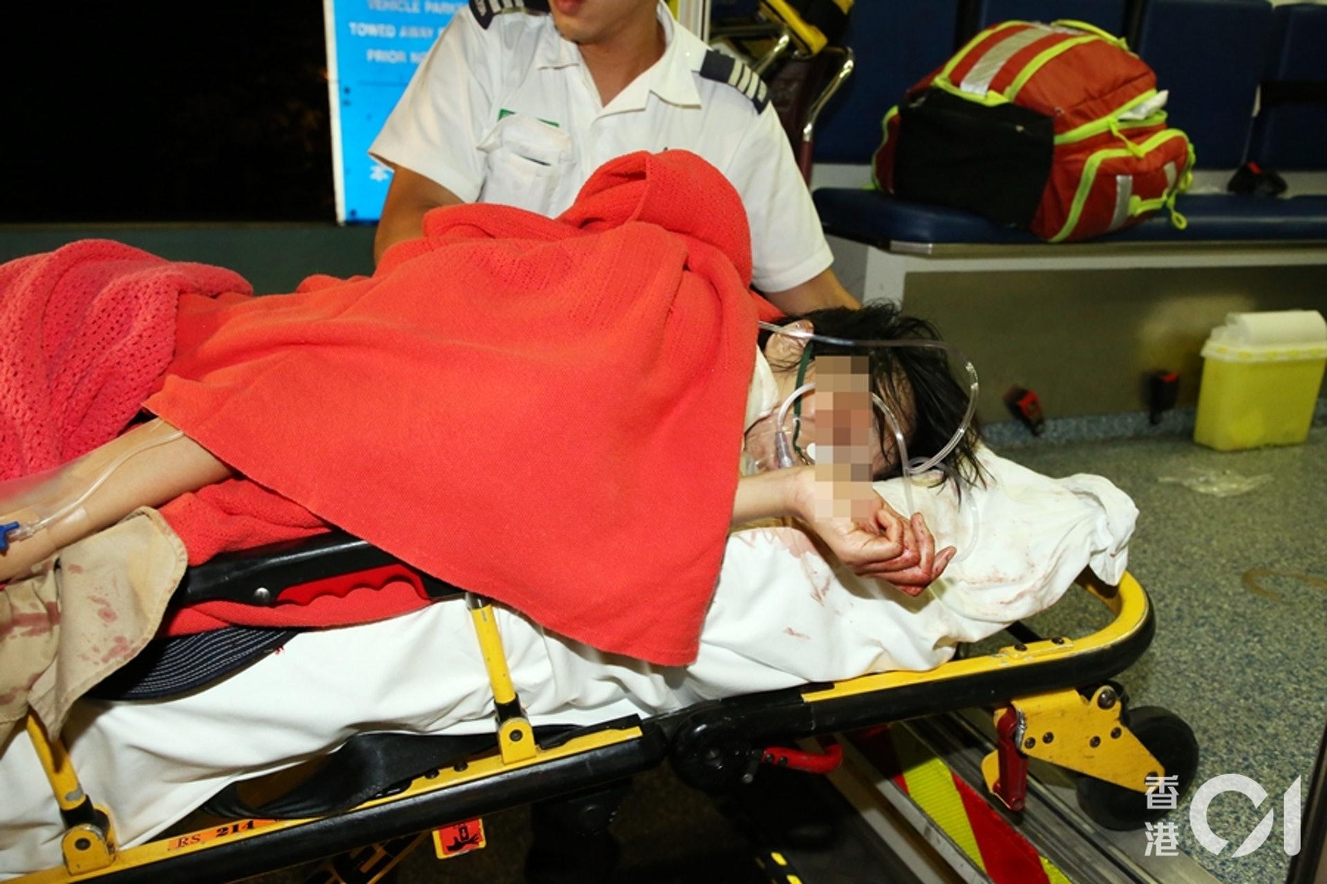 女子受刀傷重創,急送伊利沙伯醫院搶救。