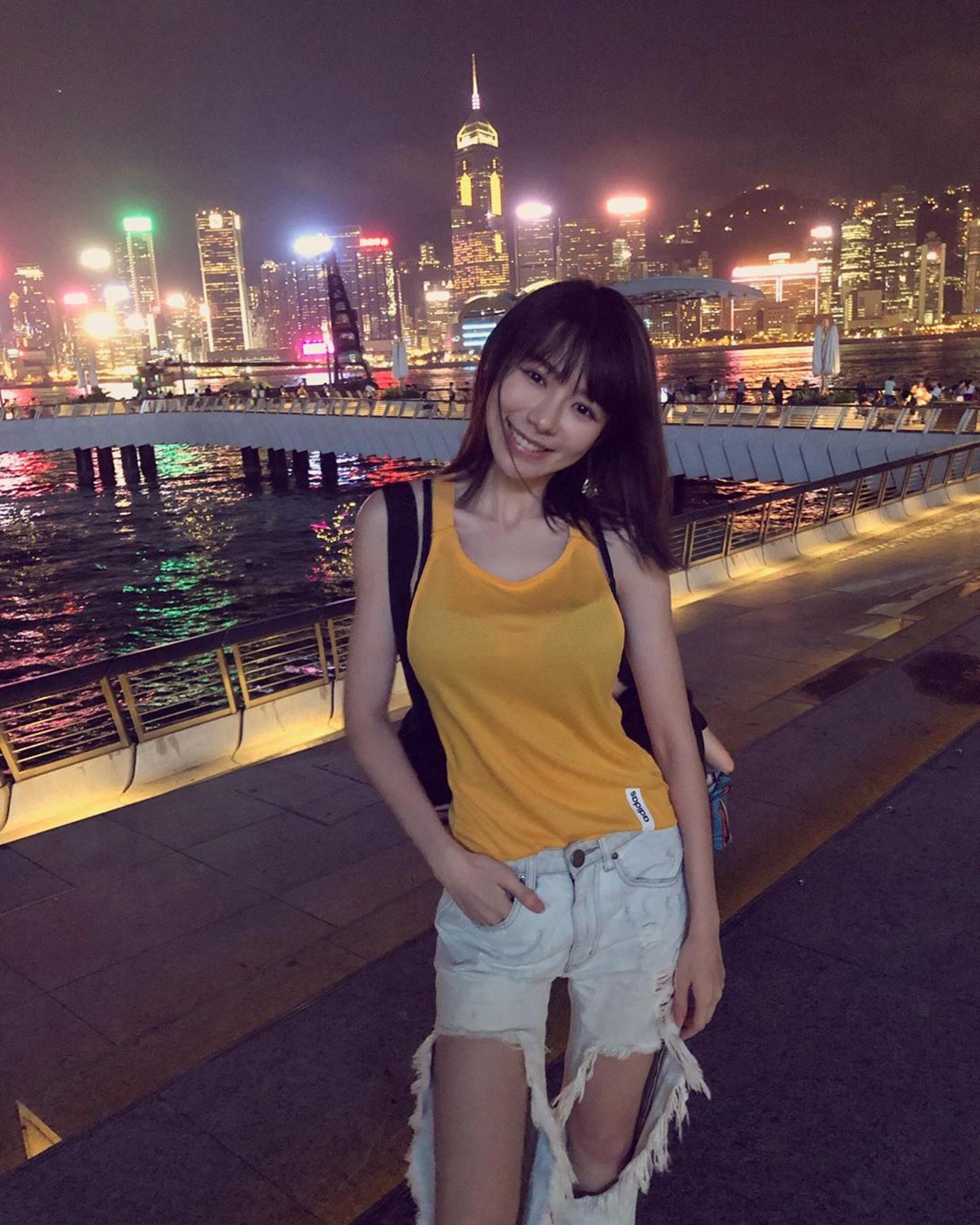 林明禎最近來港旅行,欣賞夜景。(IG@minchen333)