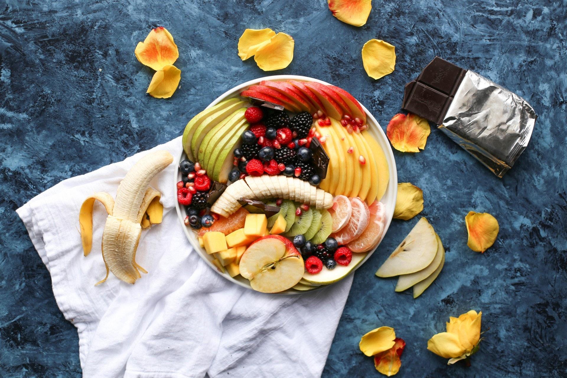 隔天斷食法(Alternate Day Fasting)是其中一種間歇性斷食法(Intermettent Fasting)。要在個週期內進行斷食及進食的循環,延長身體消耗脂肪的時間,增強脂肪代謝,達到減肥之效。(Photo by Brenda Godinez on Unsplash)