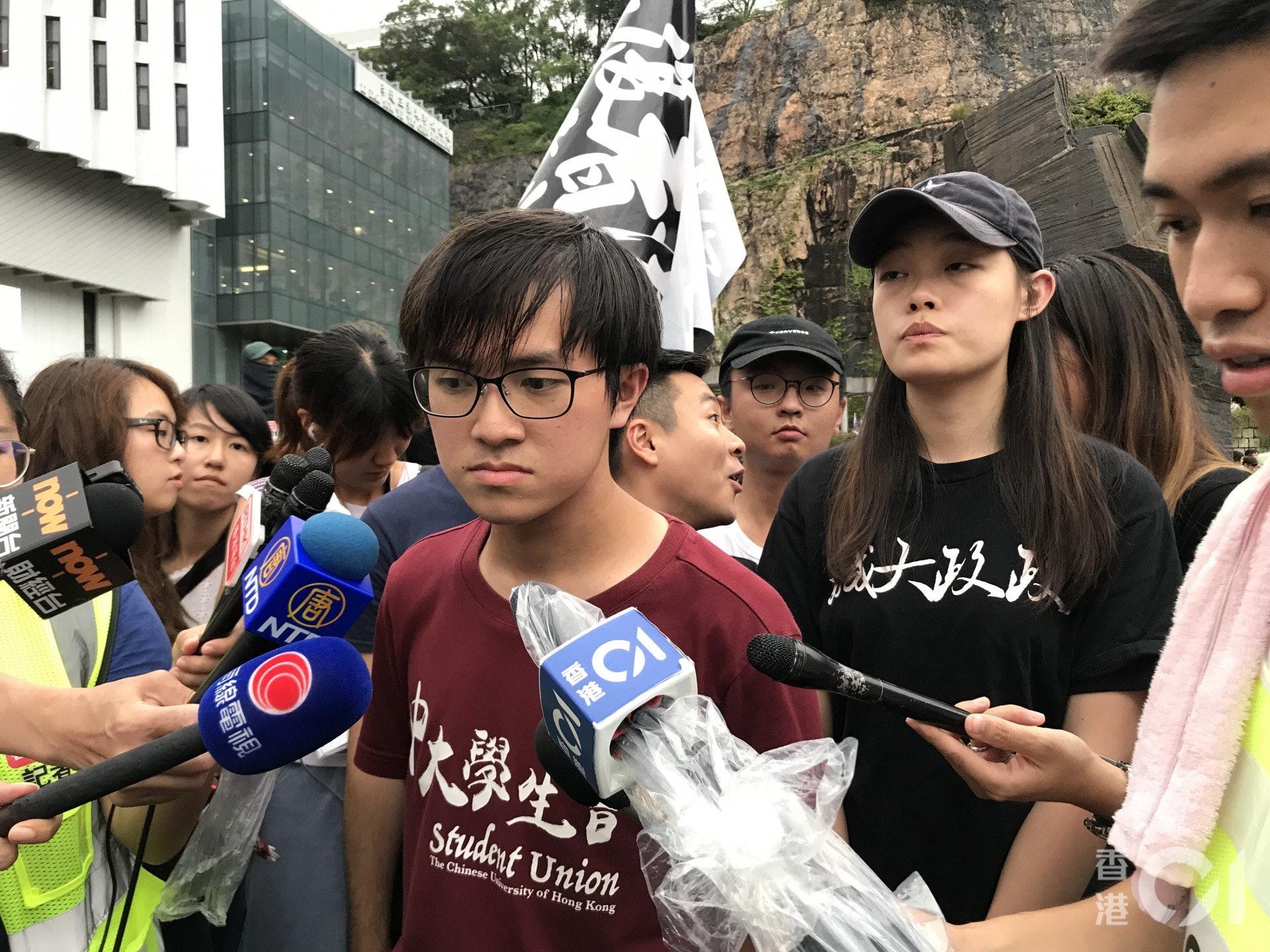 蘇浚鋒估算今日約有3萬人罷課集會,若政府在「死線」前仍不回應訴求,不排除把行動升級。(鄧穎琳攝)