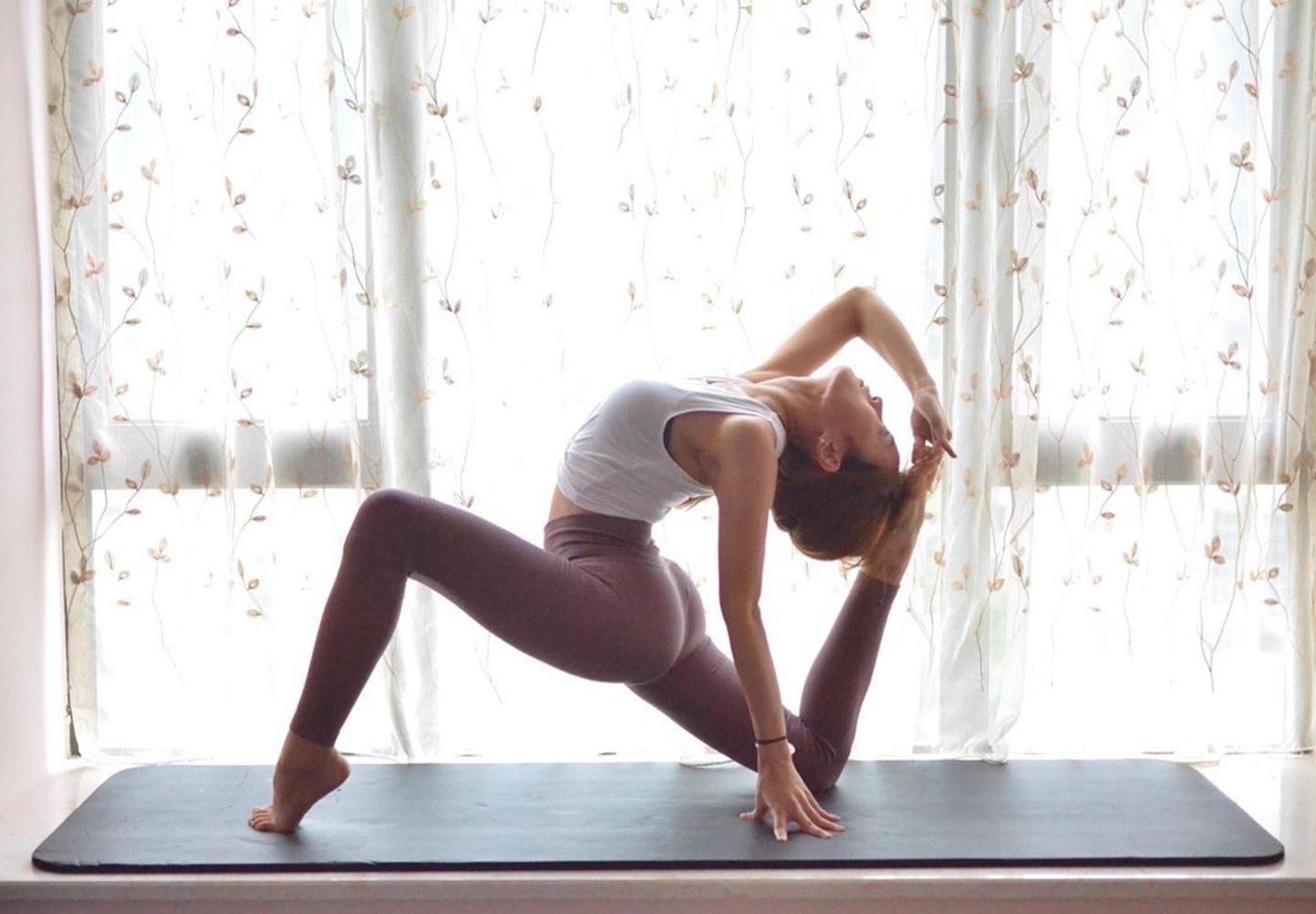 瑜伽玩得好勁
