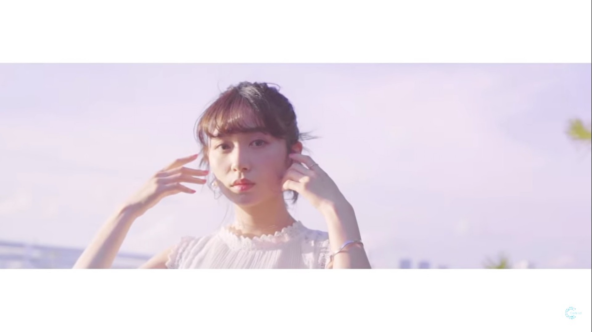 Carrie日前在YouTube公布出道曲《Hydr8》MV。(YouTube/@Carrie Lai Official)