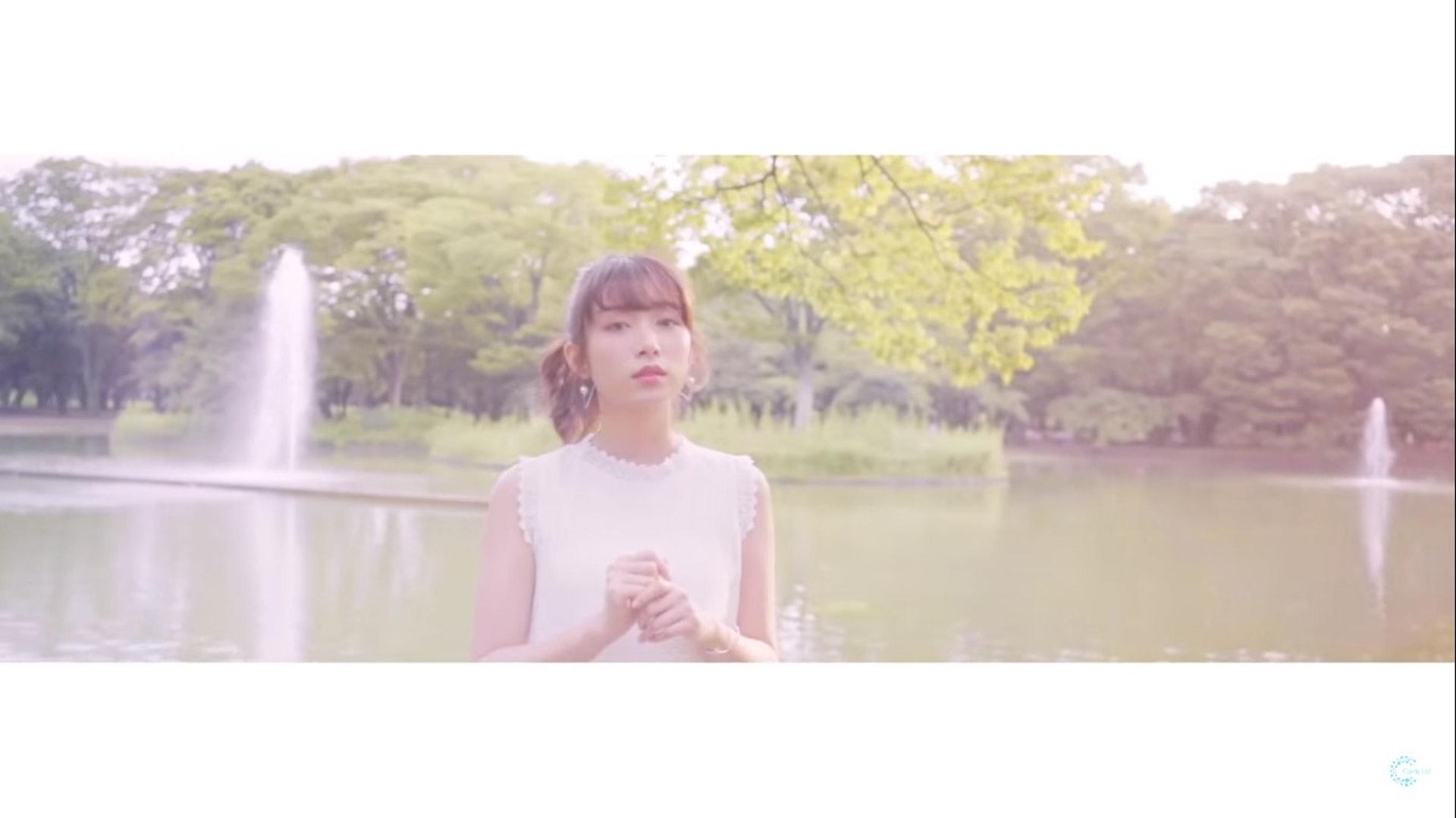 畫面充滿日系調色。(YouTube/@Carrie Lai Official)