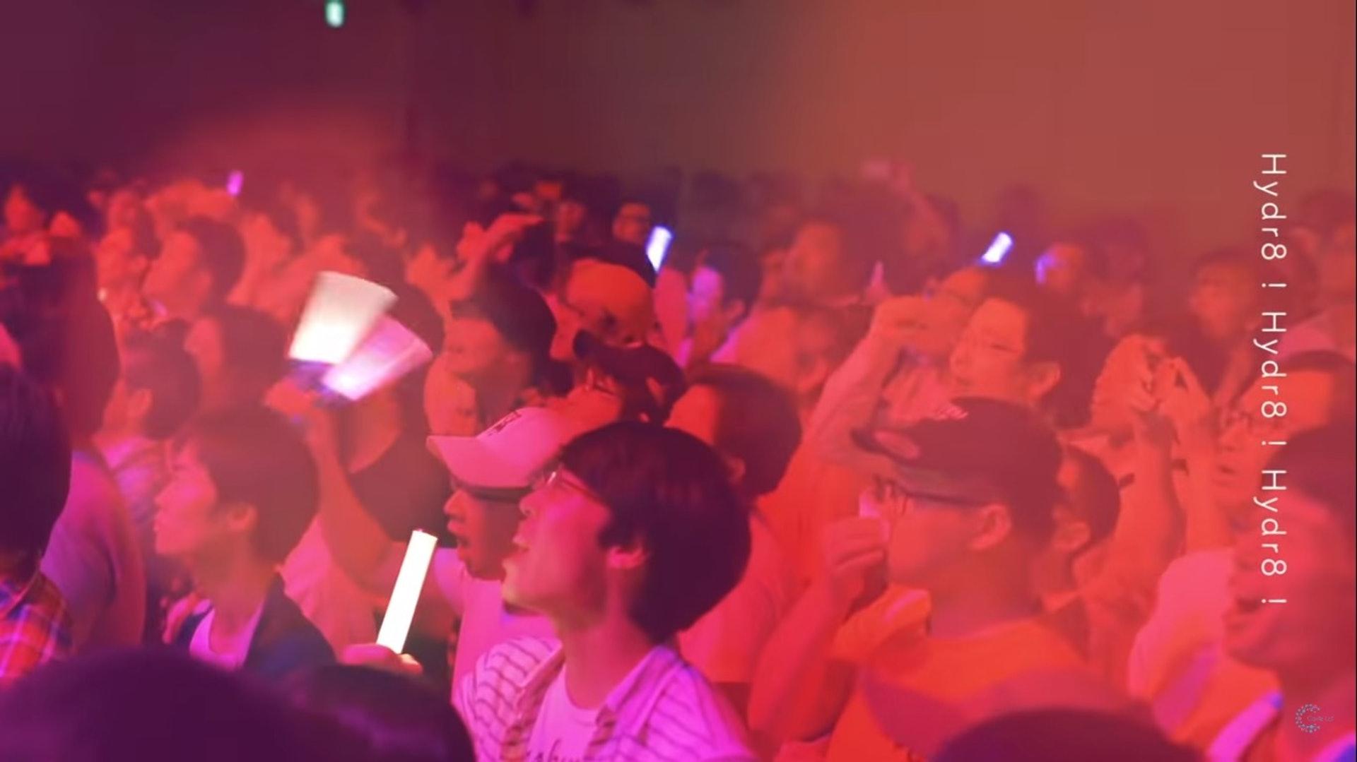 反應熱烈!(YouTube/@Carrie Lai Official)