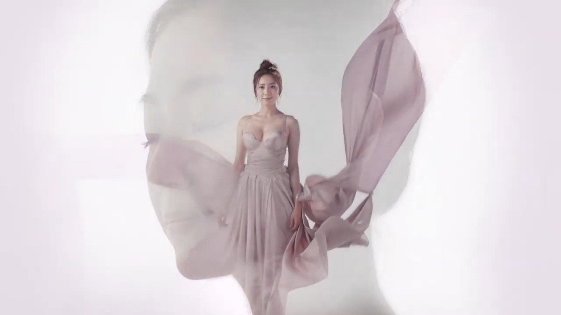YoYo擔任豐胸纖體代言人。(Josephine Bust & Slimming YouTube影片截圖)