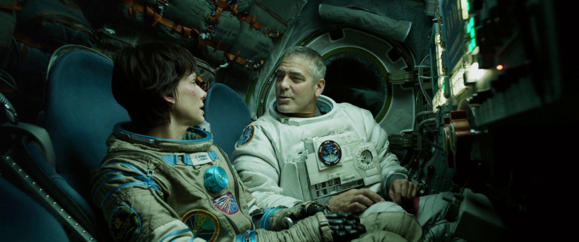 佐治古尼亦曾在《引力邊緣》中扮演太空人(《引力邊緣》劇照)