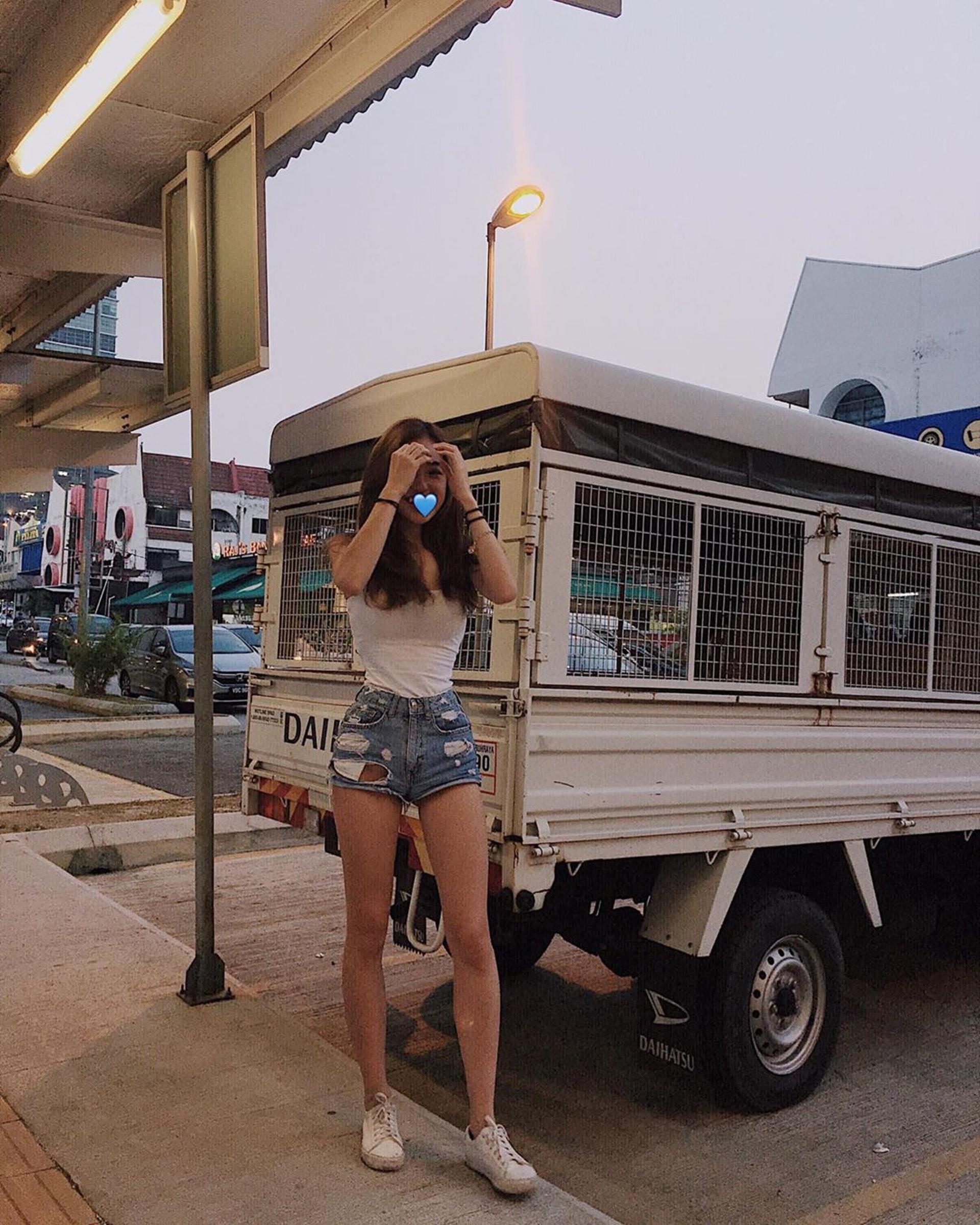 【#大馬網紅】Celine居於馬來西亞,是一名運動系美女。(IG「celine13_」圖片)