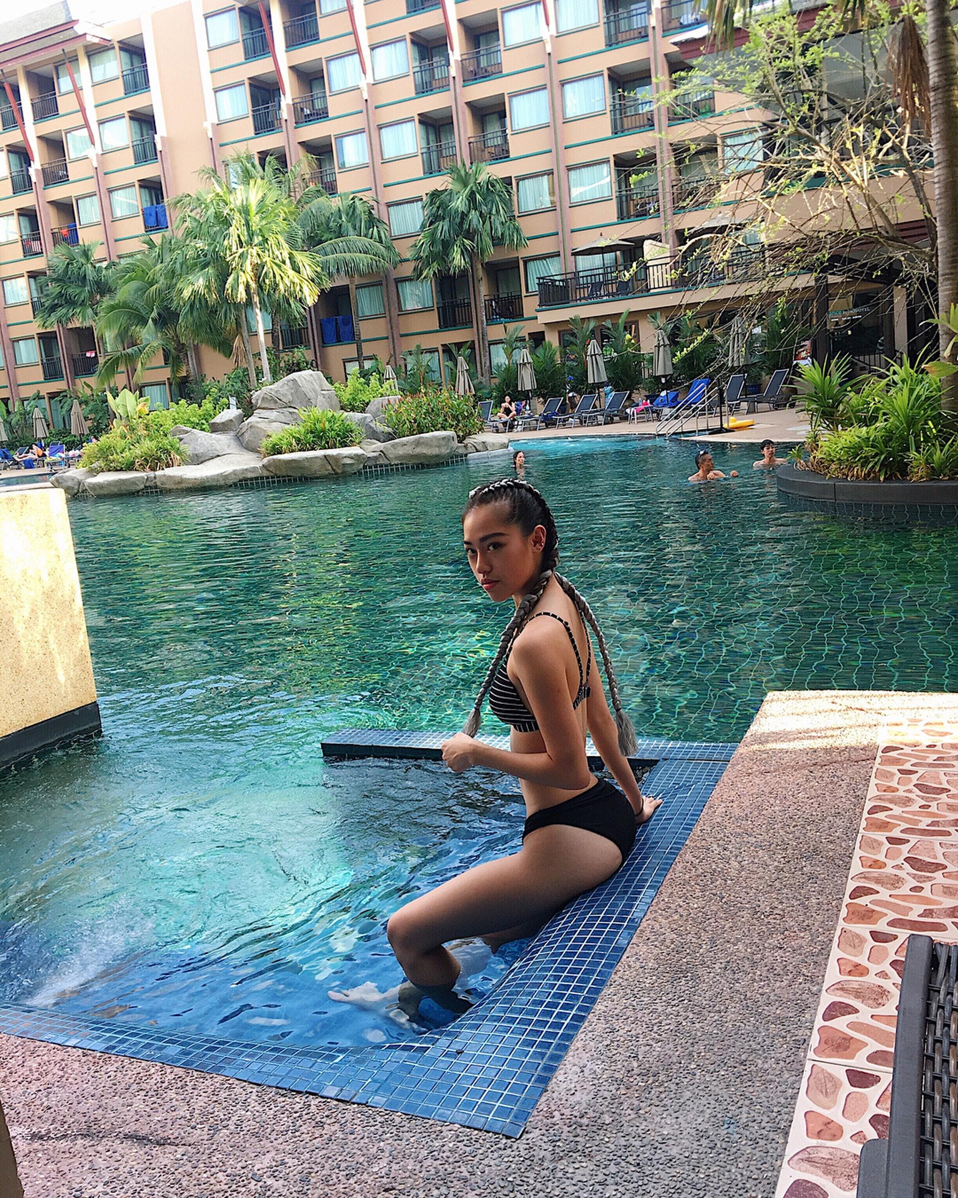 【#大馬網紅】Celine喜歡水上運動,當然少不免有泳衣照。(IG「celine13_」圖片)