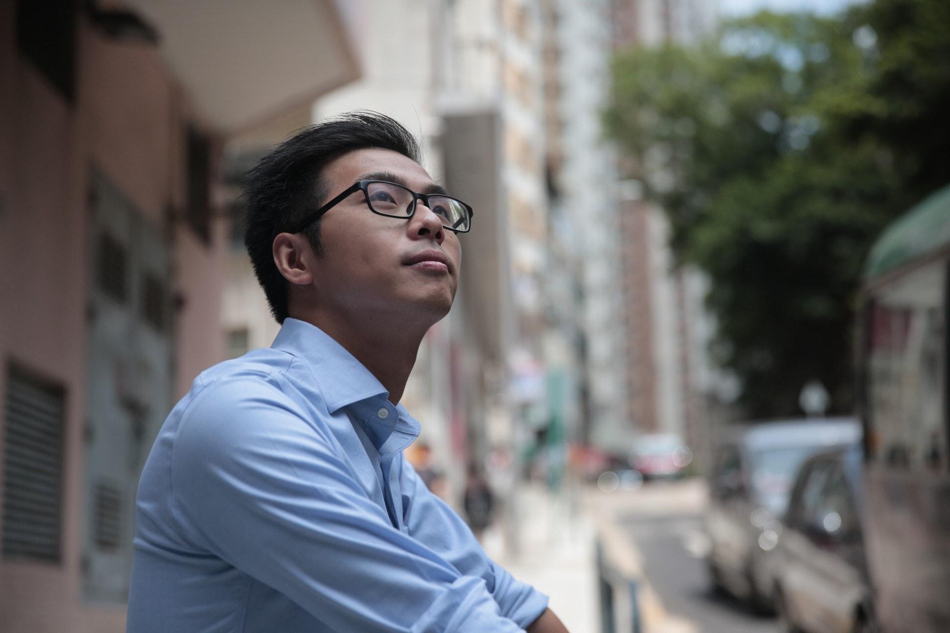 上屆選舉以500餘票之差落敗後,葉錦龍馬上捲土重來,他說是那是他成長的社區,過程中亦得到了街坊信賴,很難就此撒手不幹。(李穎霖攝)