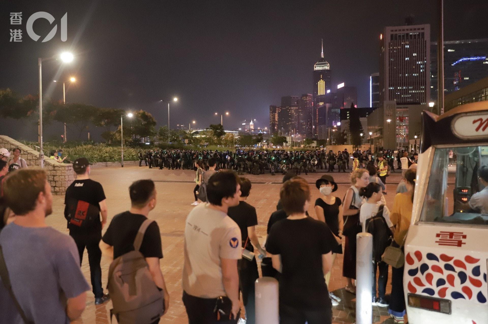 2019年9月28日,雨運五年過去,香港人對防暴警已習以為常。(羅國輝攝)
