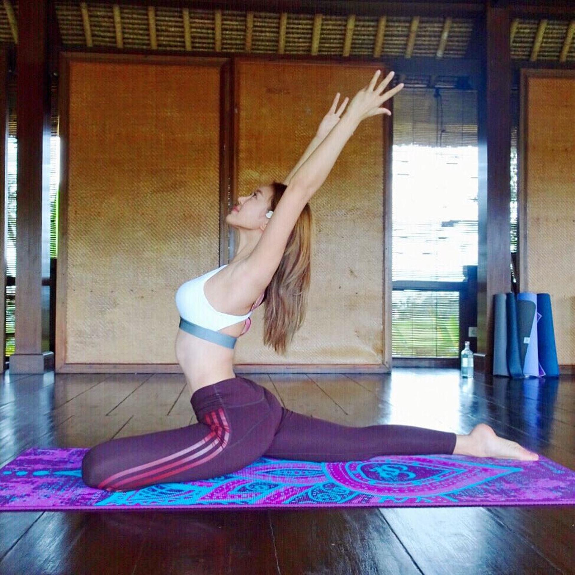 Bonnie經常做瑜伽保持健康體態身材。(圖片IG:Bonnieschan)