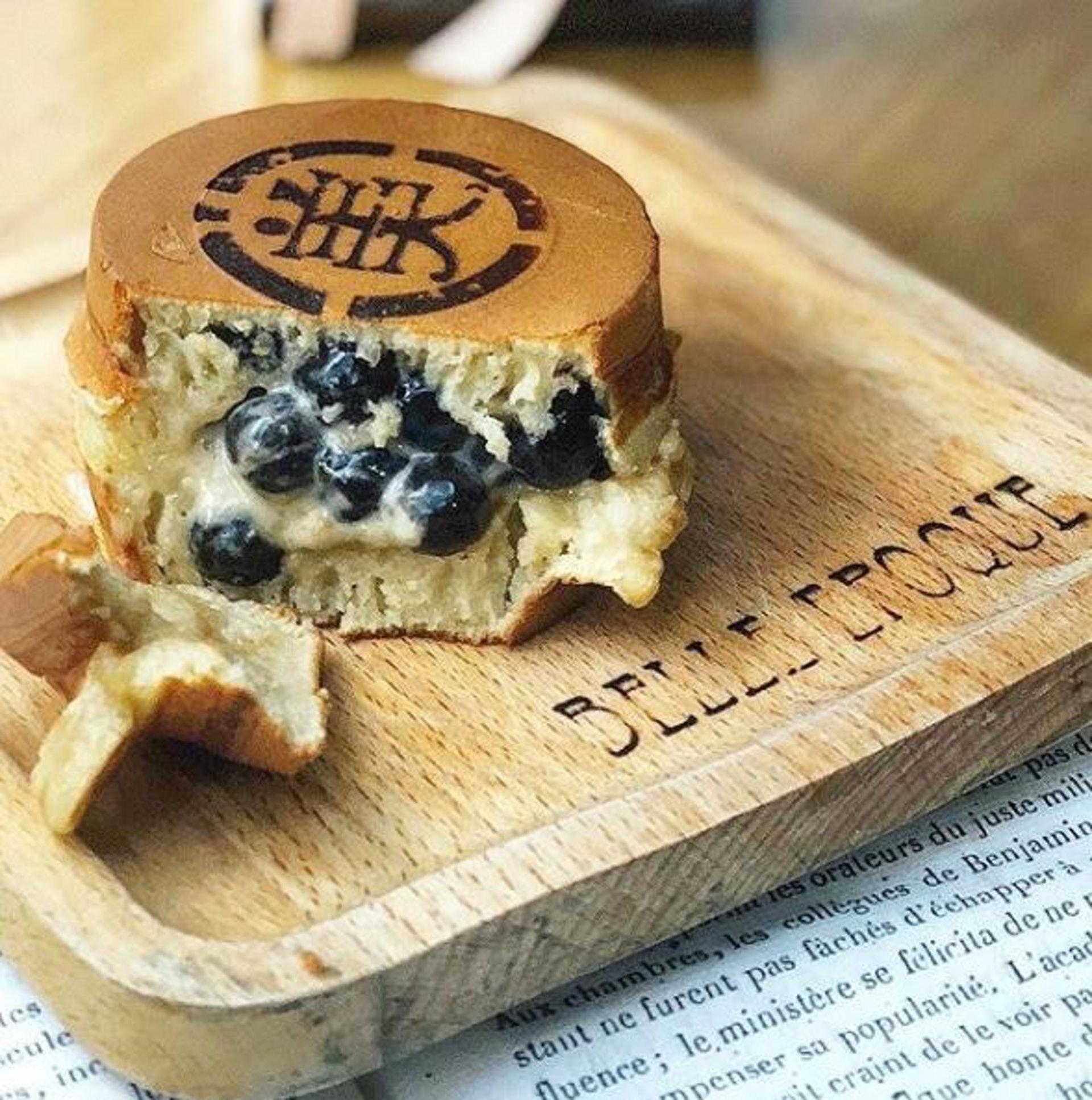 【暗黑珍珠奶茶料理】「美好年代」珍珠奶茶車輪餅(Instagram@nora_chou)