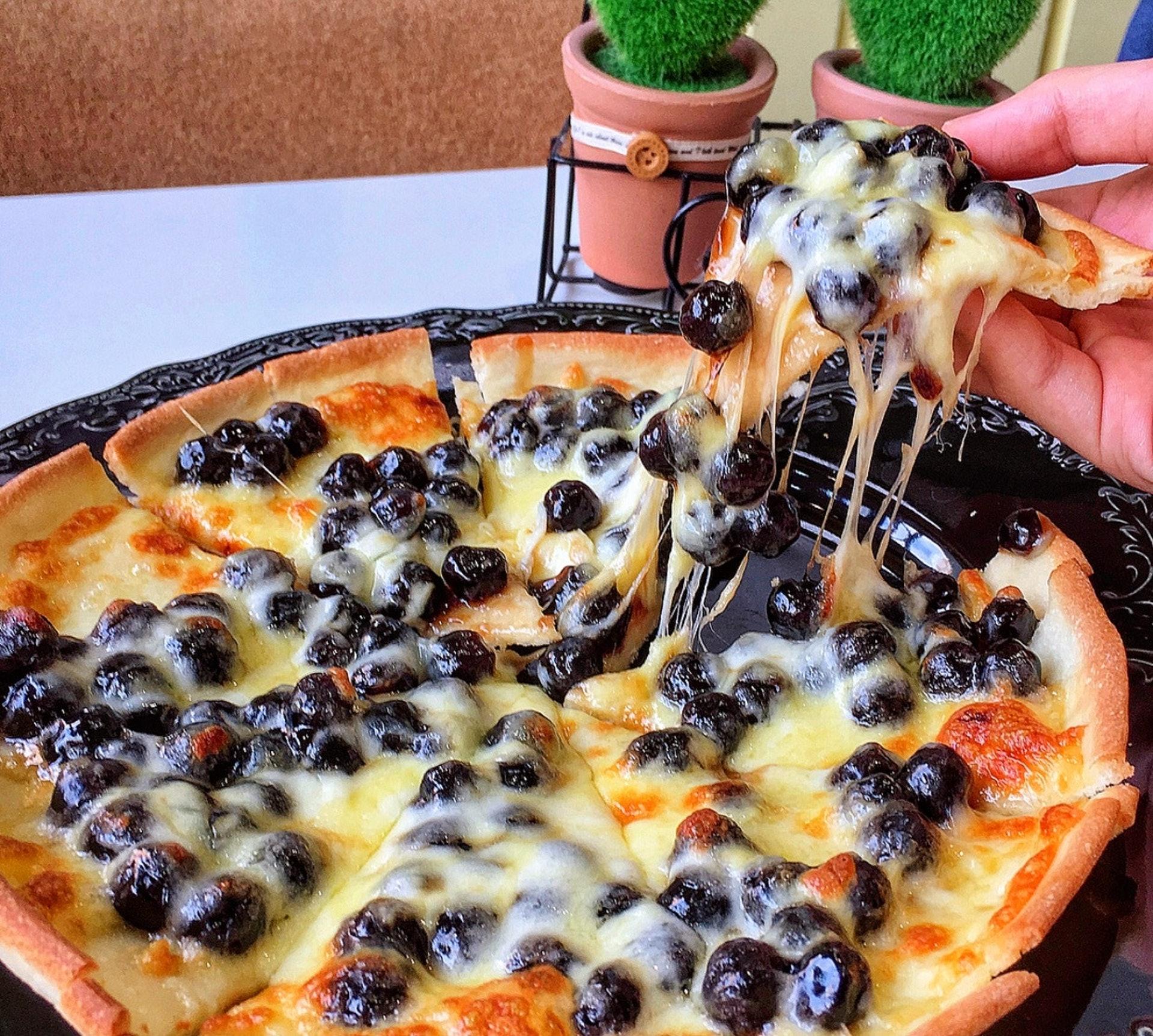 【暗黑珍珠奶茶料理】「食儻生活料理坊」珍珠Pizza(Instagram@nini_food0822)