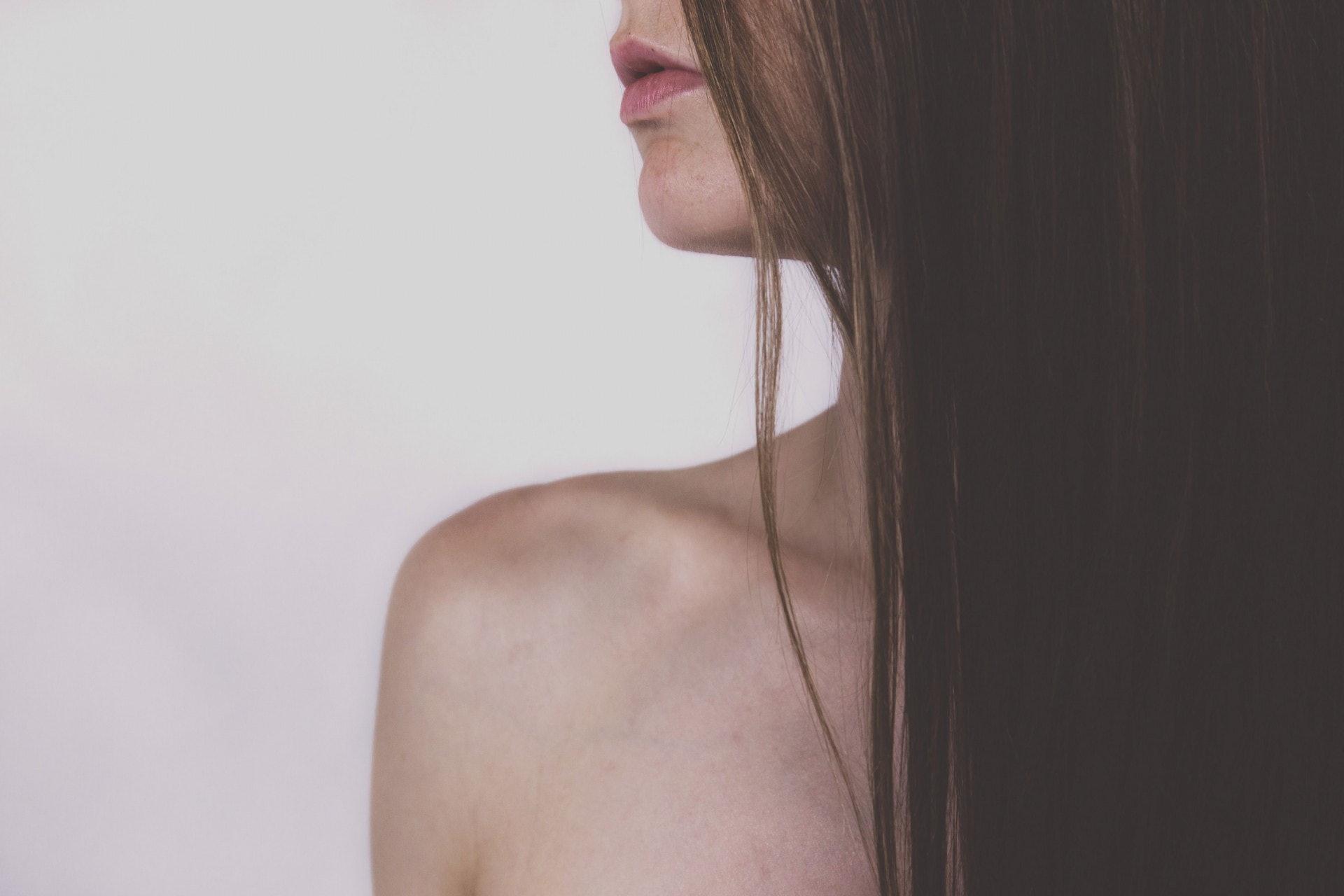 乳癌有「女性殺手」之稱,女士們應該提高乳健意識,保持乳房健康。(freestocks/unsplash)