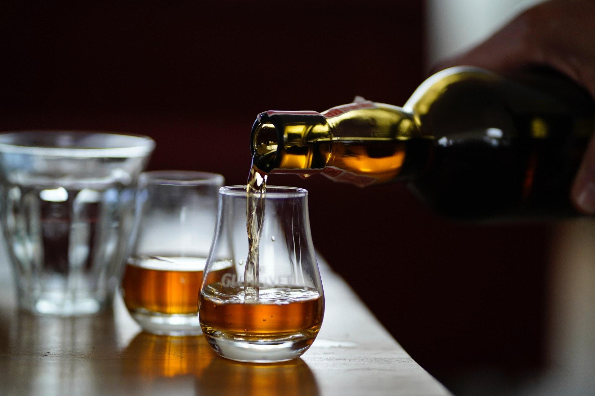 老派一點來說,白蘭地通常被視為飯後酒,品嚐白蘭地就似飯後甜品一樣。