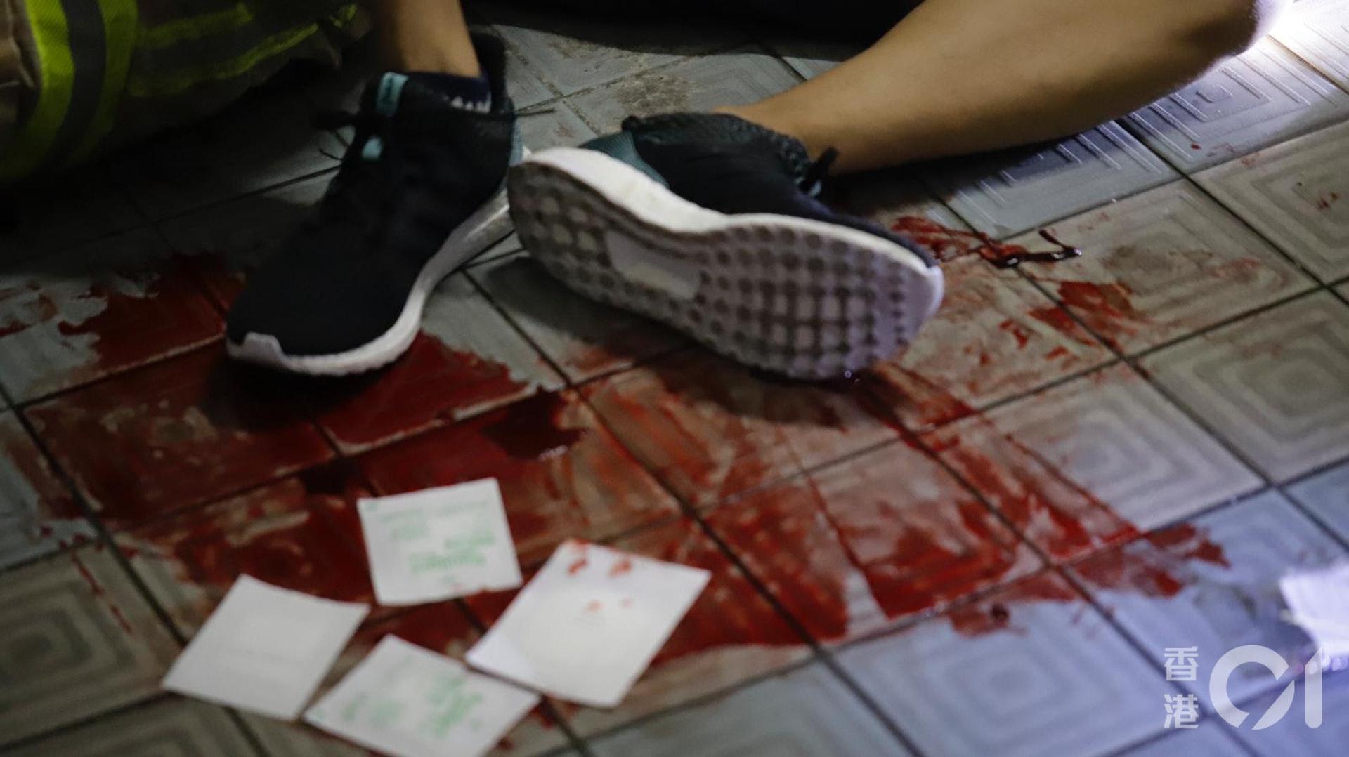 墮樓科大生大量流血。(讀者提供)