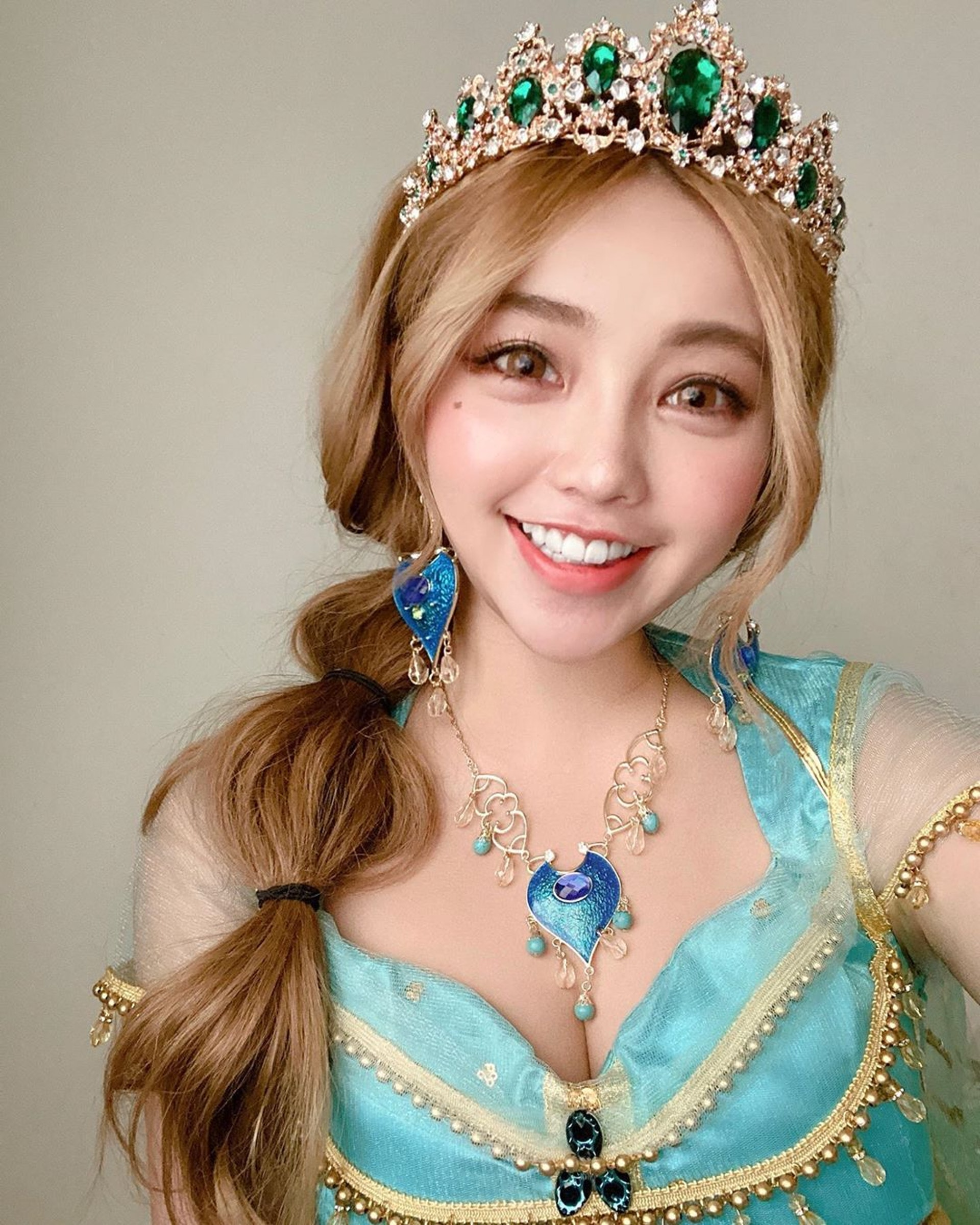 黃琳在萬聖節Cosplay茉莉公主。(IG@lovelynnboo)