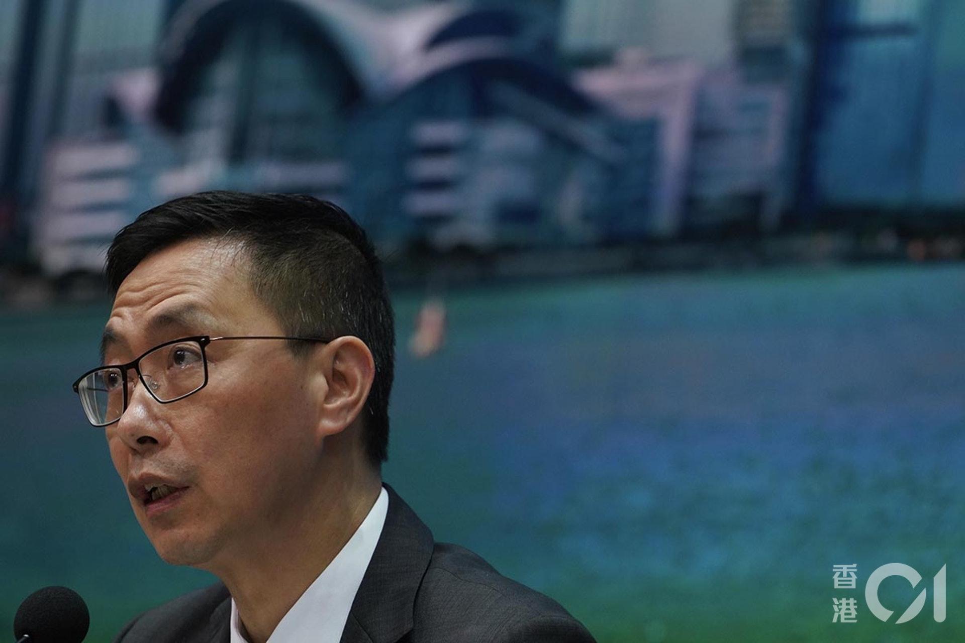 教育局楊潤雄指,會向官校下指令,要求校方採取措施禁學生參與非法行為。(高仲明攝)