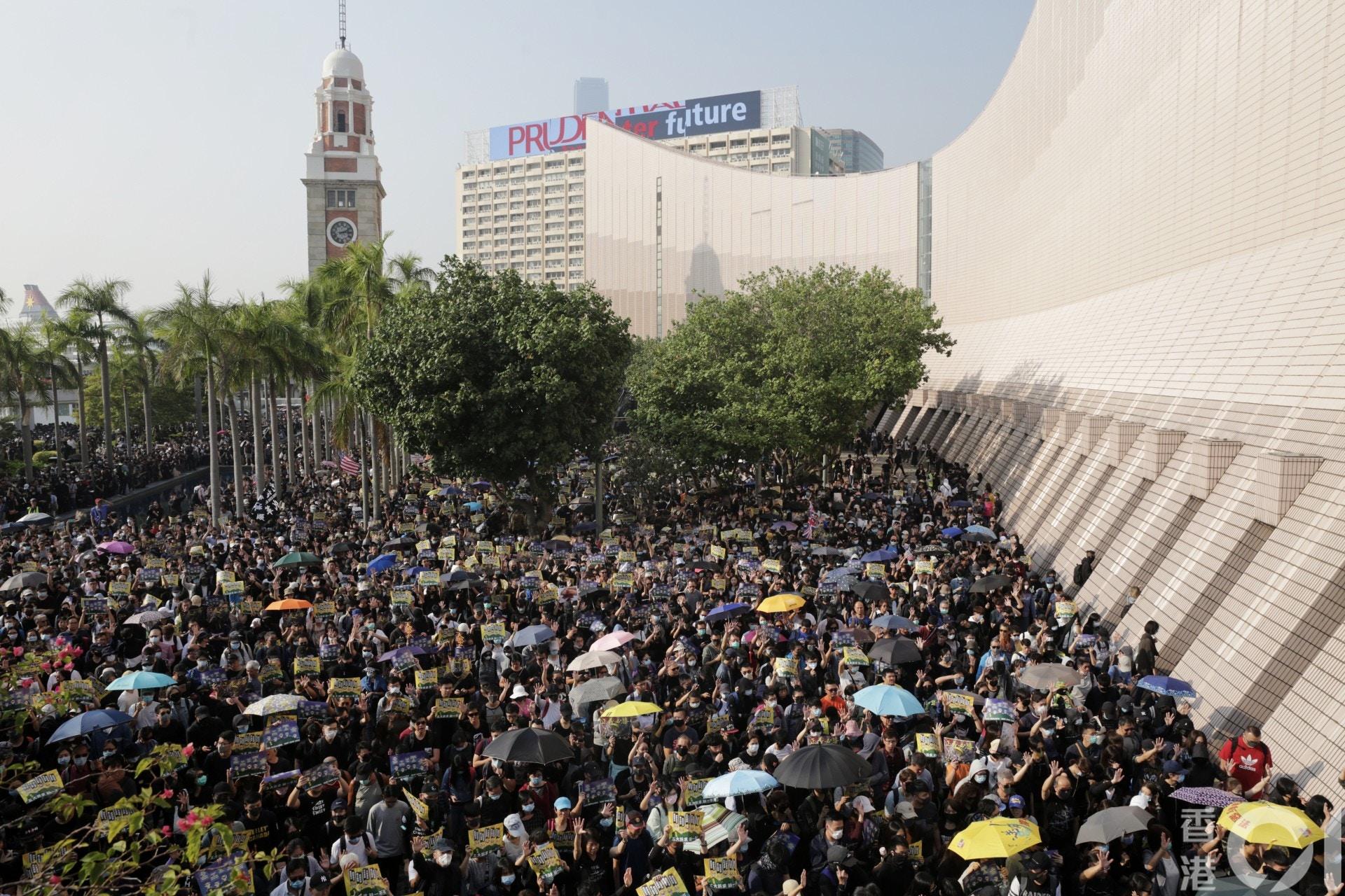 香港デモの嘘、暴力、破壊行為。(25-1) 止まらない暴力---香港で平和 ...