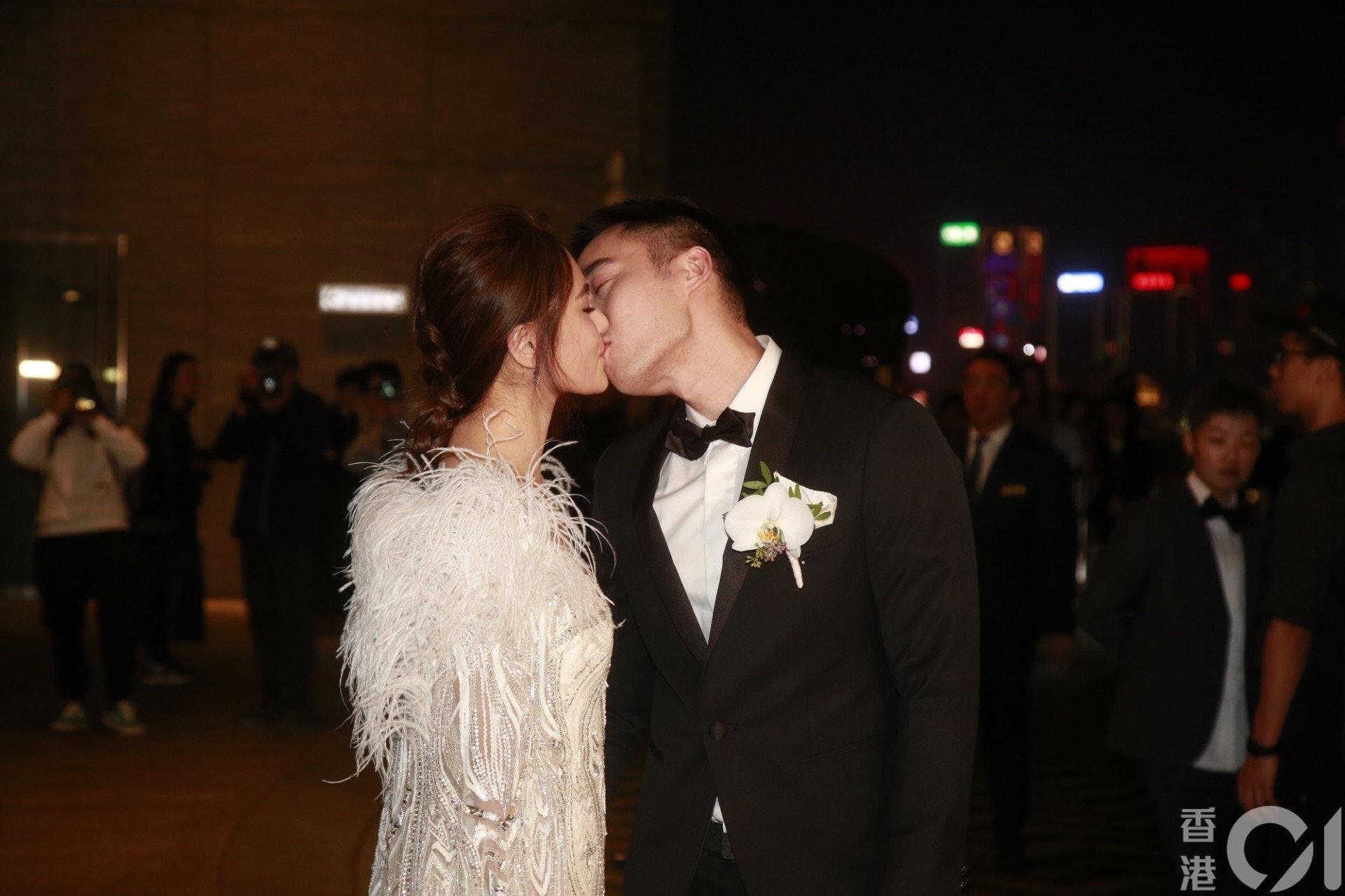 二人去年12月在港擺酒結婚。(梁碧玲攝)