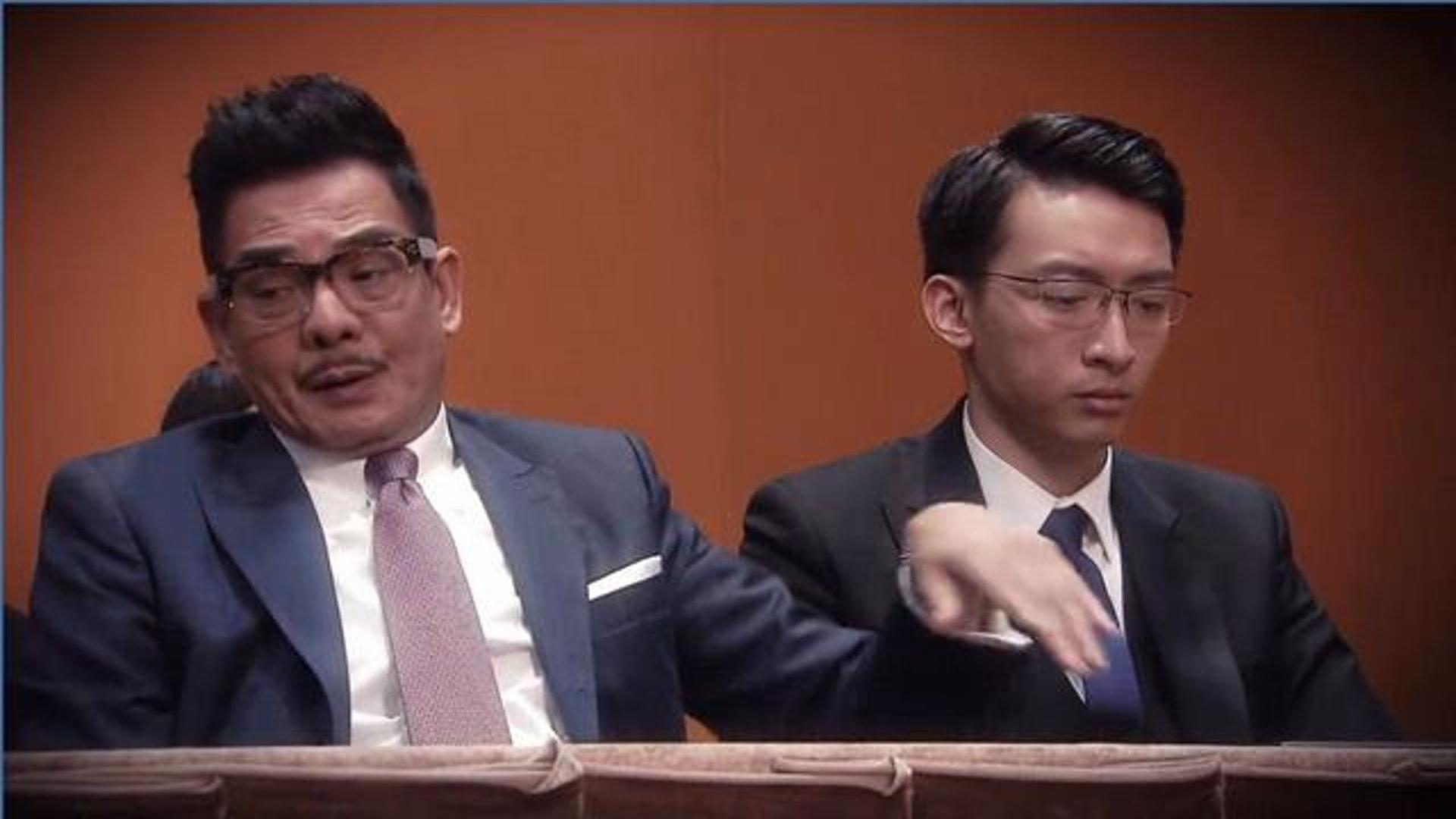 有網友數過李國麟經常飾演敗訴律師,有他出場必定打輸官司。(《三個女人一個「因」》截圖)