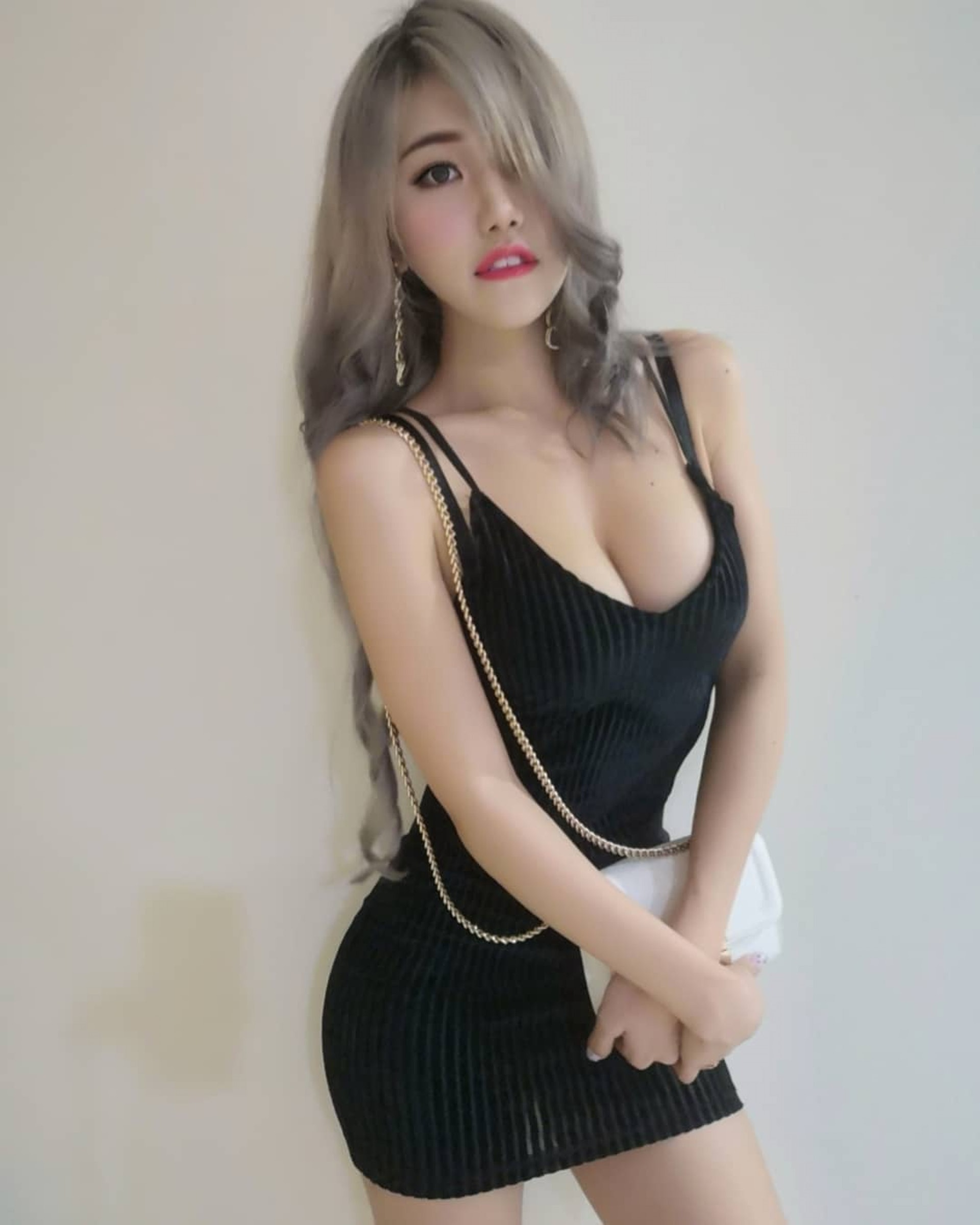 甚至不少網民覺得她過份賣弄,你又點睇呢?(IG@Pui Yi糖糖)