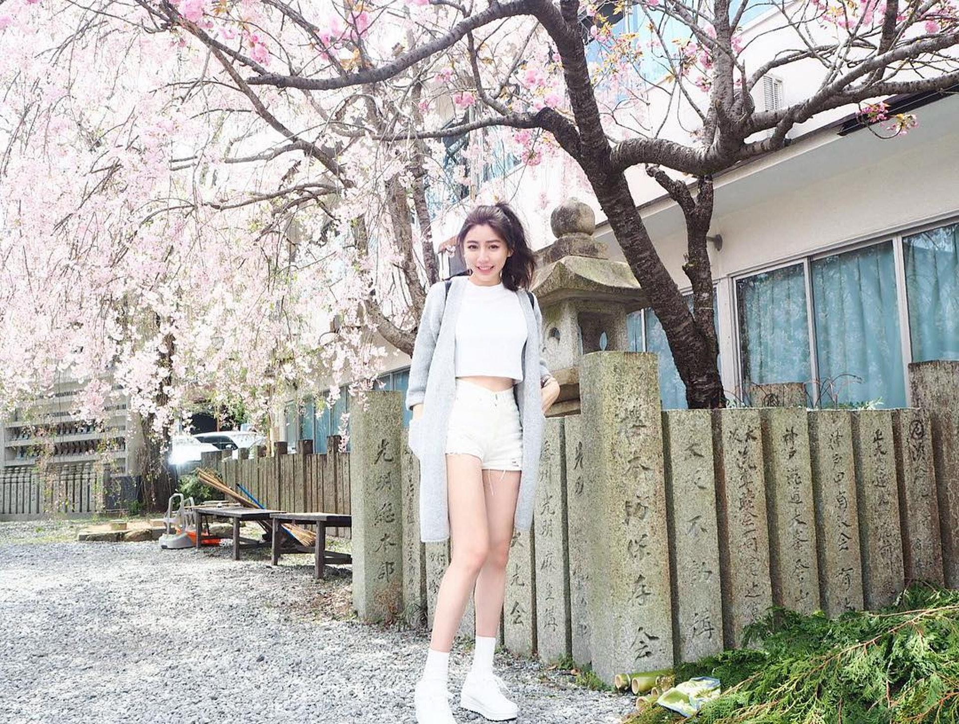 陳玟媛擁有小蠻腰,人見人愛。(yuan_1214 IG圖片)