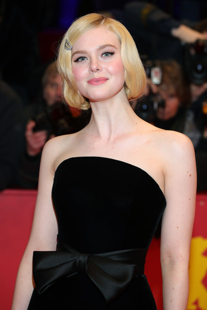 【黑魔后】艾麗芬寧染古怪髮色標誌金髮消失 網民:完全認不出來