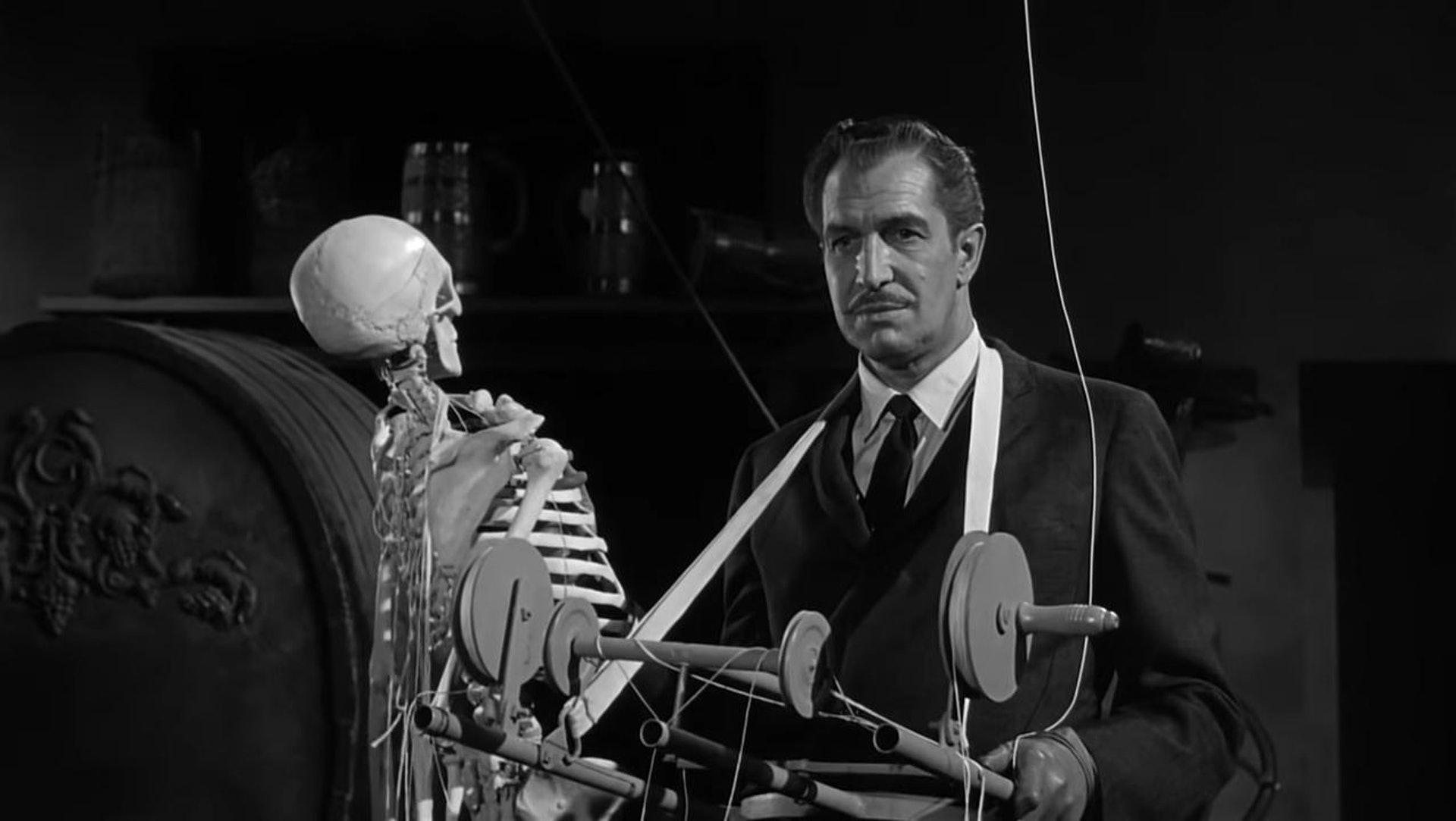 由Vincent Price主演的《House on Haunted Hill》,電影原來當年都使用了真實人骨。(《House on Haunted Hill》劇照)