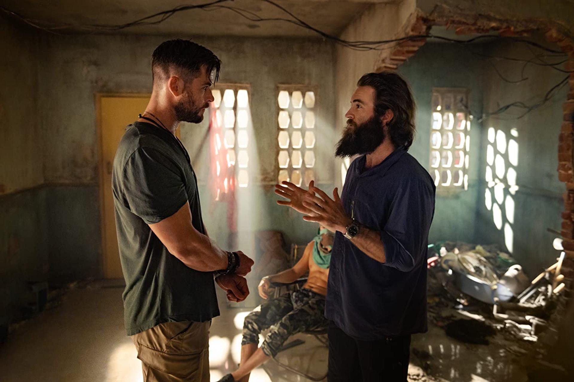 Sam Hargrave(右)與「雷神」基斯咸士禾夫在《復仇者聯盟》時已經開始合作。(IMDb 圖片)