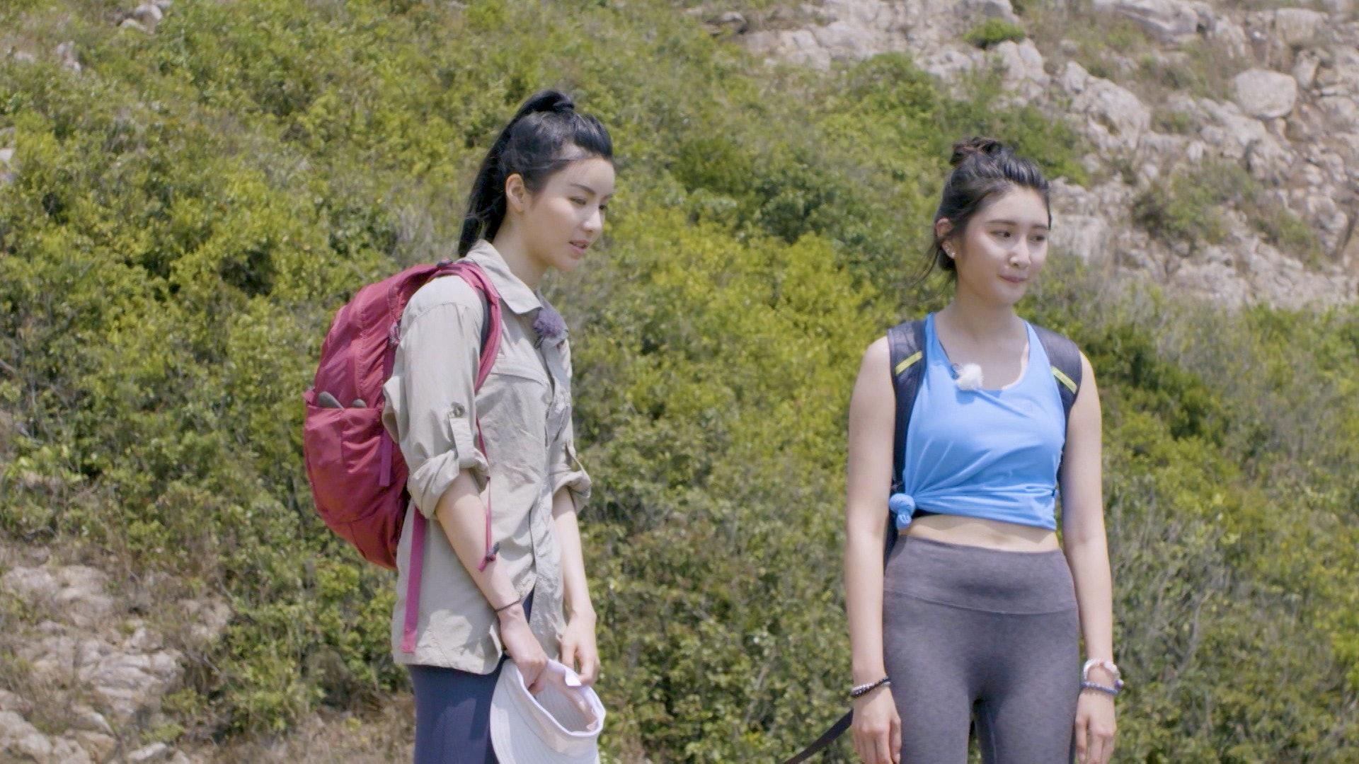 由沈殷怡和陳欣妍主持的《美女郊遊遊》被喻為是「神作」。