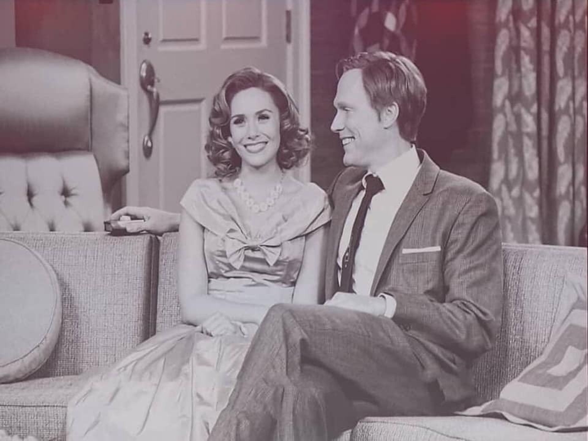 《WandaVision》由伊莉莎伯奧遜及保羅比特尼主演。(IMDb 圖片)