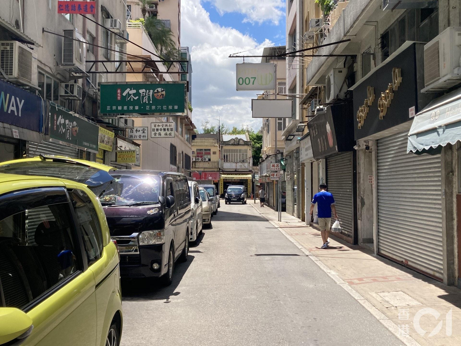 記者昨日(30日)到上水觀察,發現街道上人流稀少。(歐陽德浩攝)