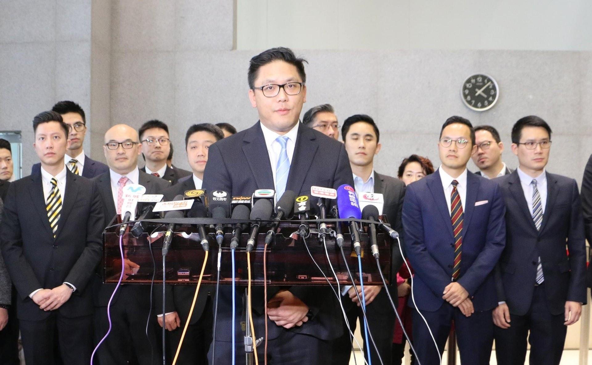 梁宏正表示,香港的青年專長多元化,年青人或希望從事工業、科技、服務業,以至文化企業,而大灣區不同城市在分工、協同發展下,正好提供多元的工作選擇。(資料圖片)