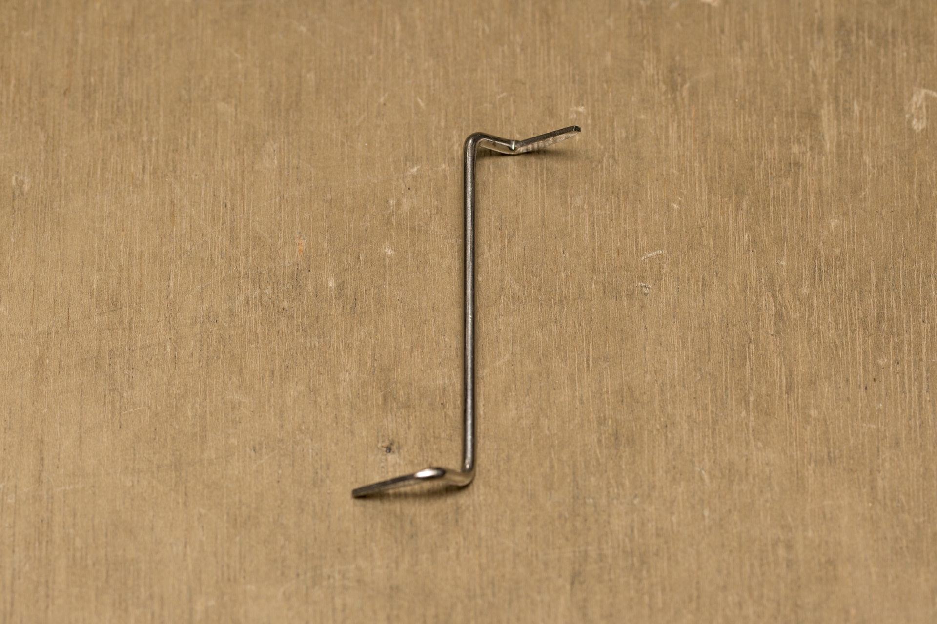 這是黃瑞昌最心愛的膽手,根據自己的開鎖手法,由橫鎖膽改裝而成。