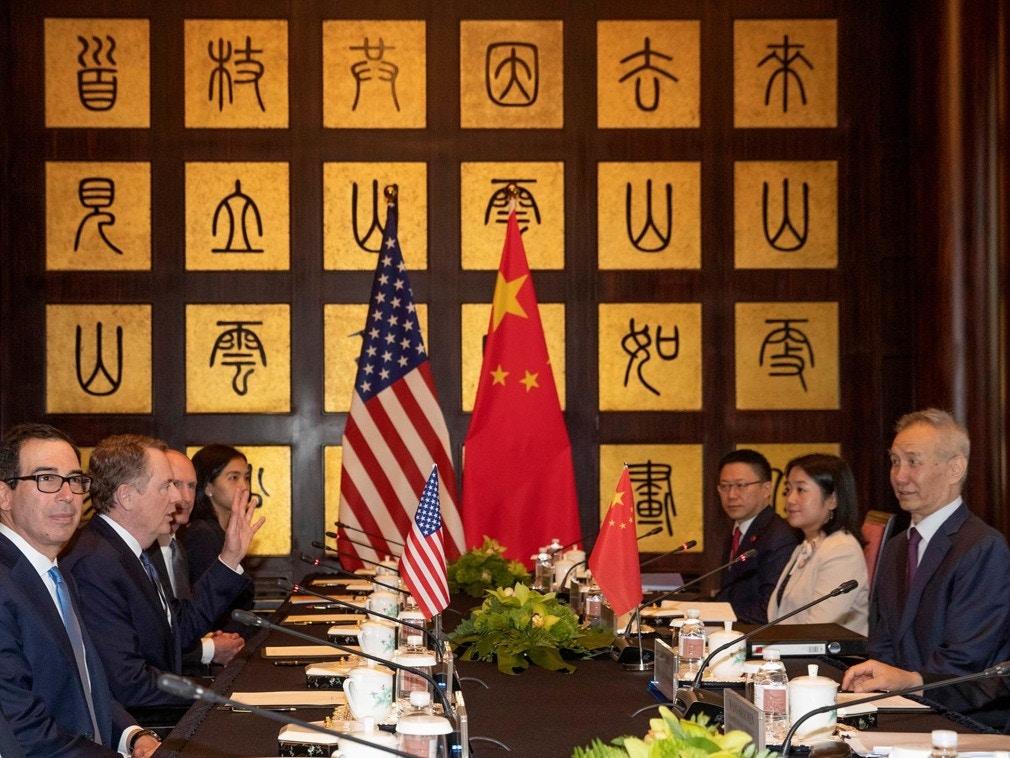 Chiến tranh thương mại nóng rẫy nhưng nền kinh tế Mỹ-Trung ổn định đến bất ngờ? - Ảnh 2.