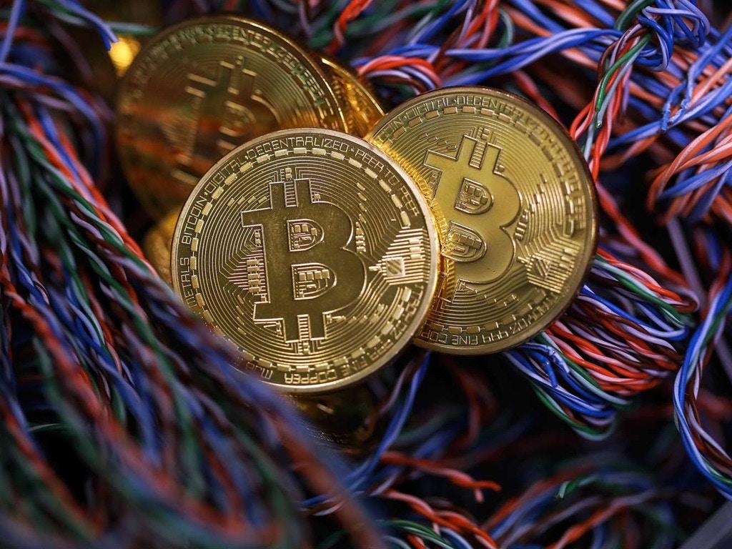 黄奇帆:比特币是炒作 不可能成为法定数字货币