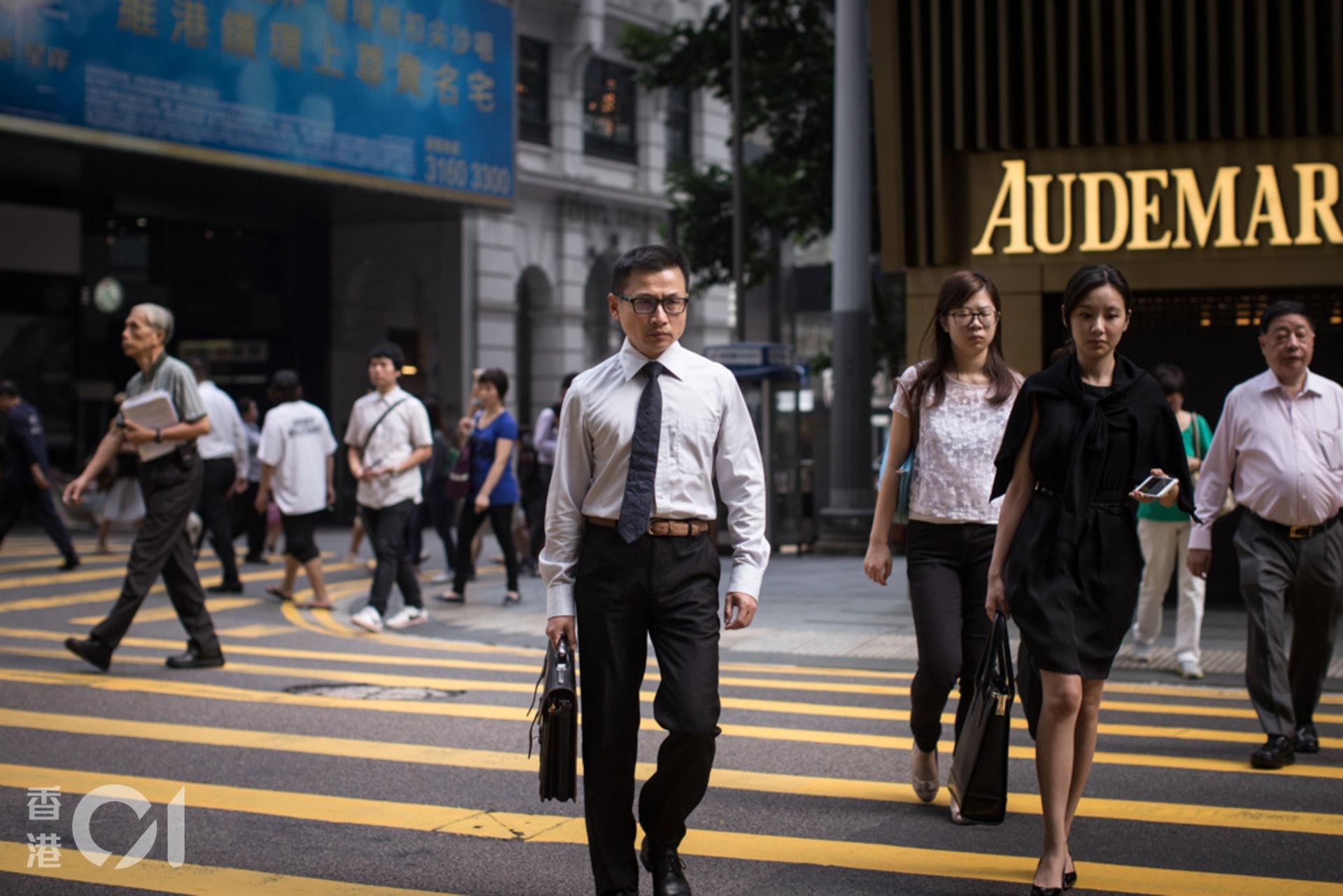 香港工時長可謂「舉世知名」,各行各業打工仔每周工作50小時,甚至60小時的情況。(資料圖片/曾梓洋攝)