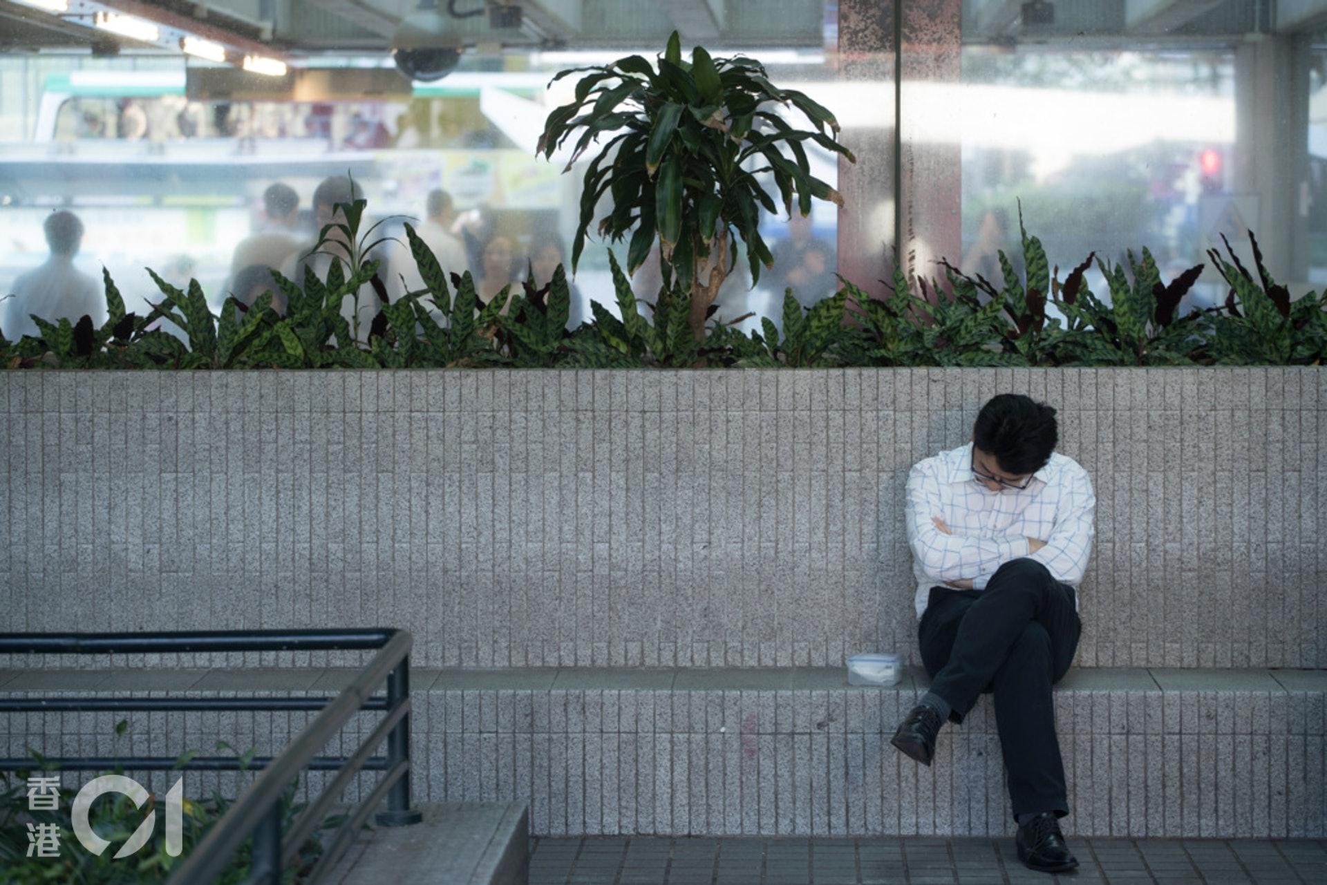 若然工時工資有所規管,長工時就不會成為社會病。(資料圖片/余俊亮攝)
