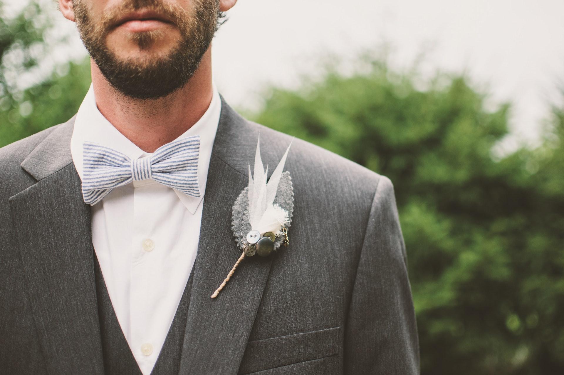 「十一鬍子月」在2004年於澳洲墨爾本開始發起,呼籲於每年的11月都不剃鬍子,期望藉此提高社會各界對男性身心健康問題的關注。(Scott Webb/unsplash)