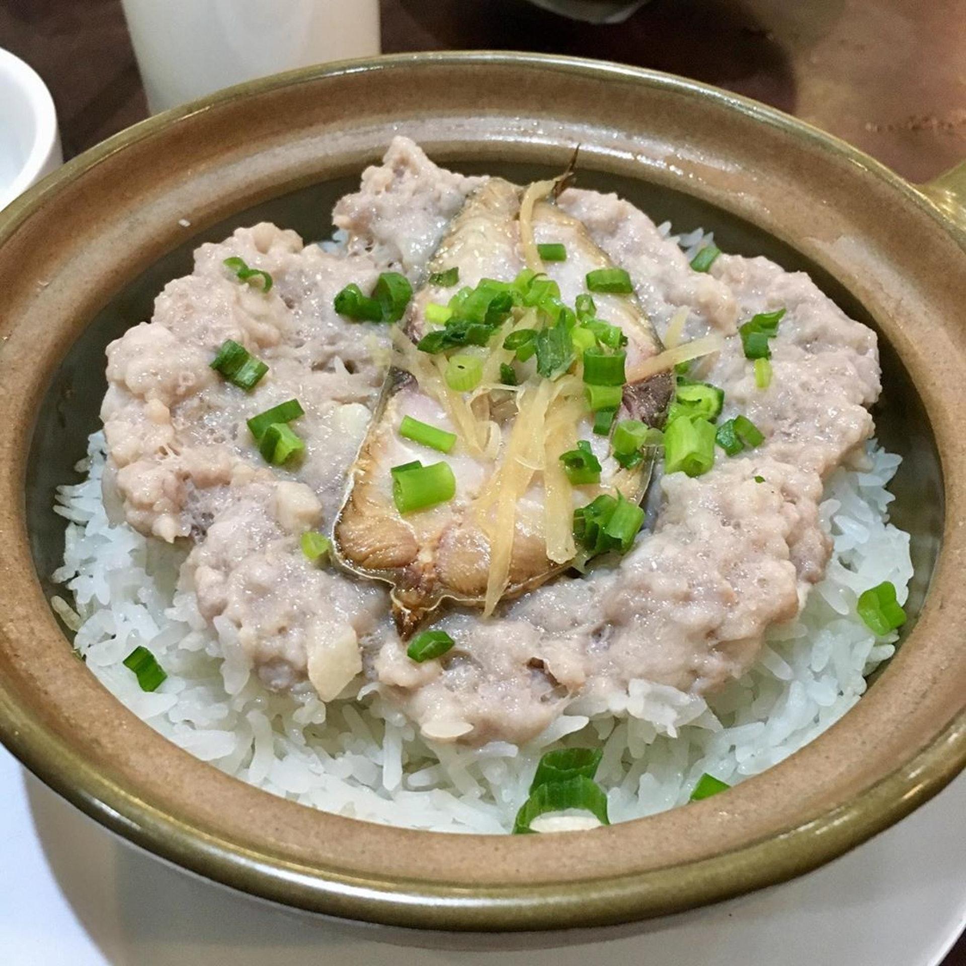 咸魚肉餅煲仔飯($90)。(ig@ kitprincess)