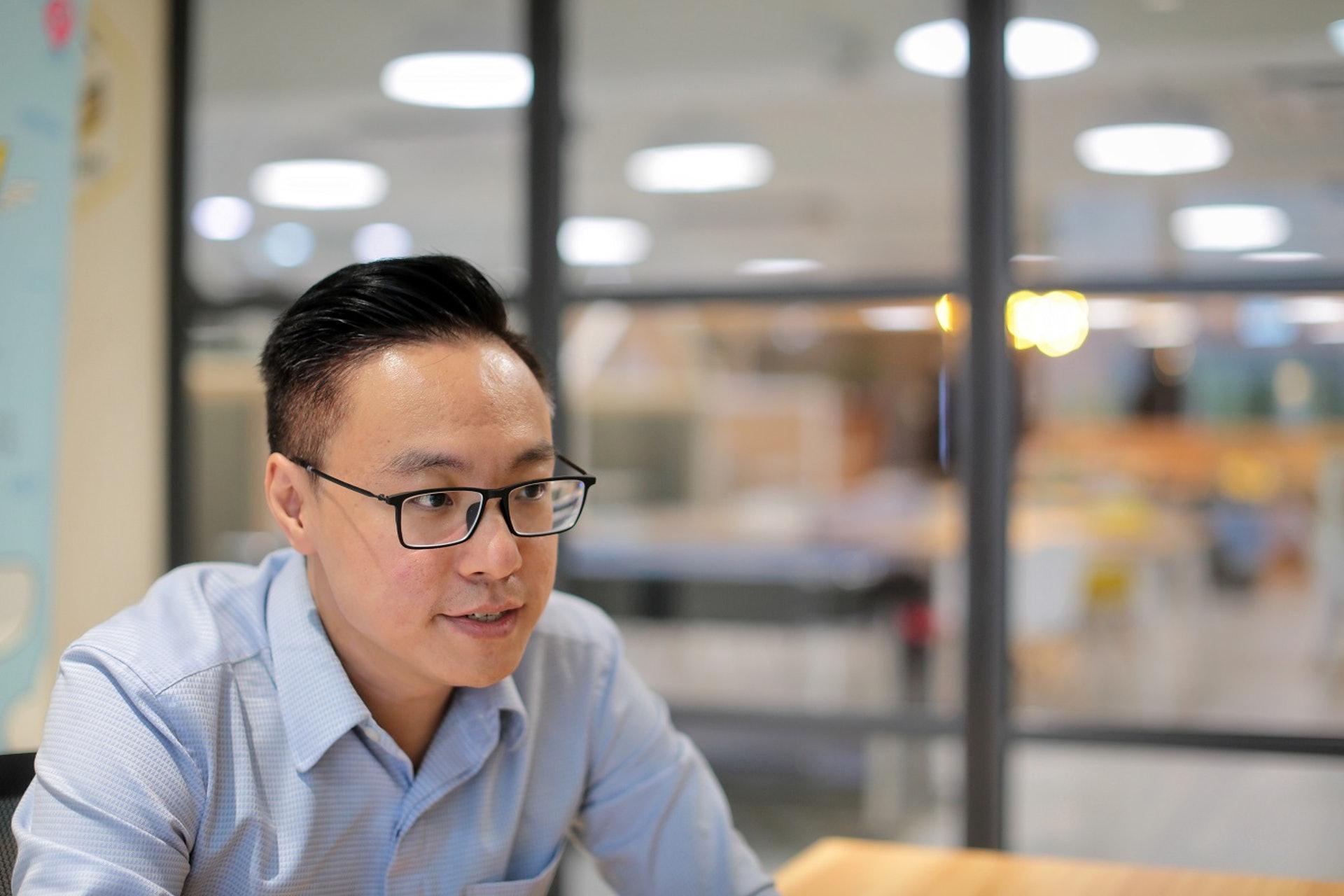 GRWTH行政總裁陳駿霖認為「價低者得」的商業模式,是香港教育科技發展的最大阻礙。(李澤彤攝)