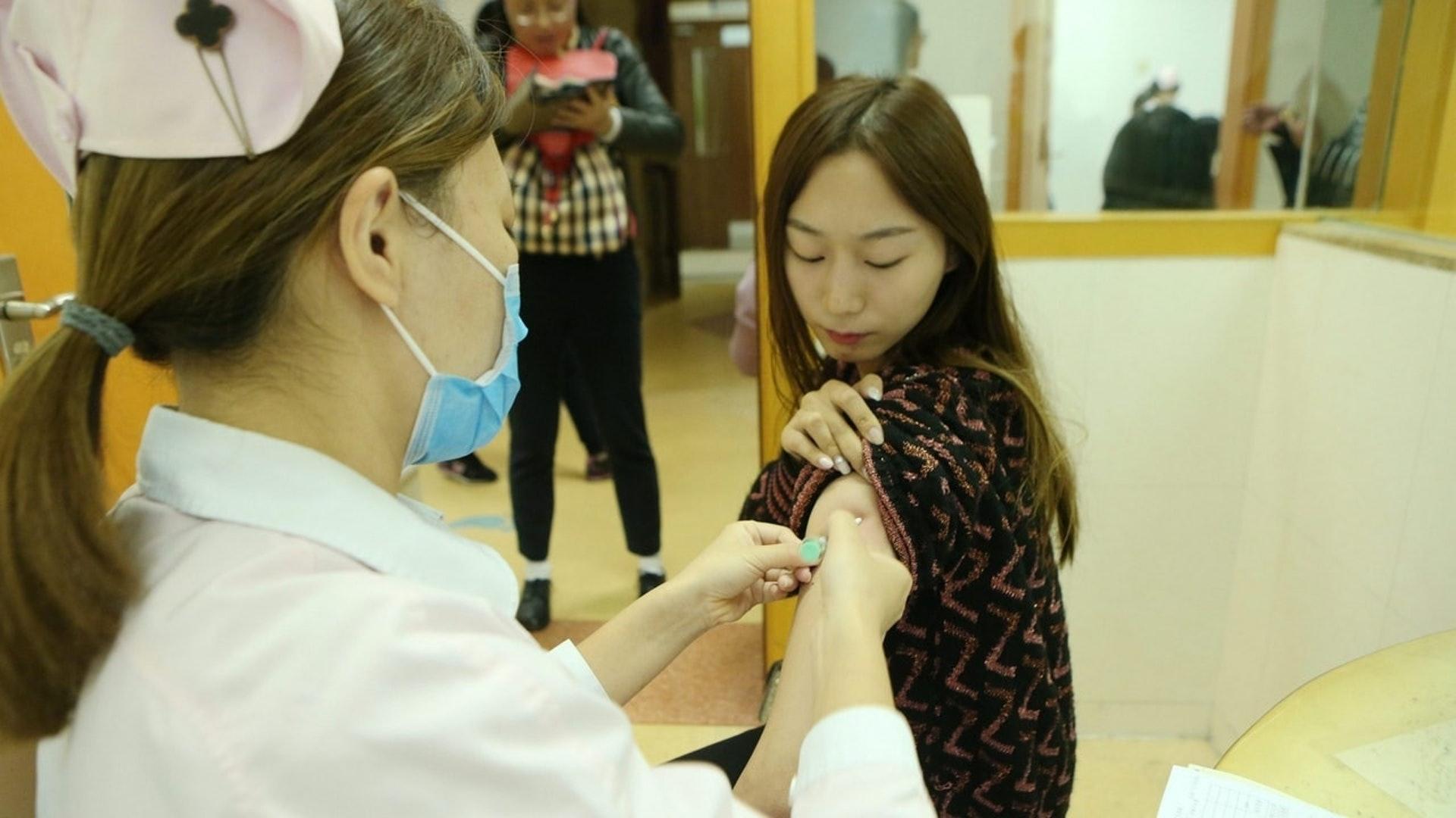 現時本港共有三款已註冊的HPV疫苗,分別是二價、四價、九價。(資料圖片)