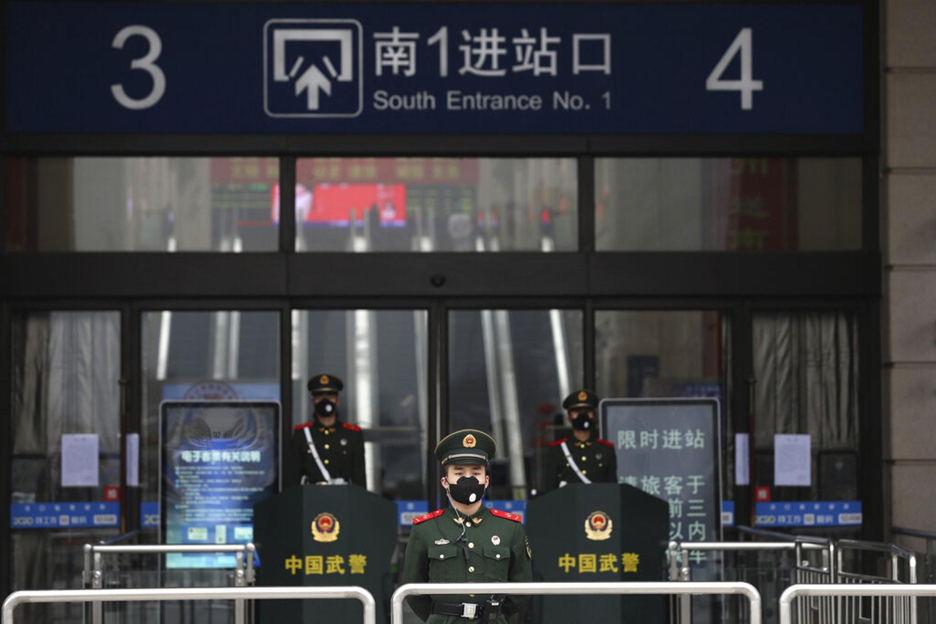 隨着「武漢肺炎」持續擴散,武漢市的公共交通已經暫停營運(美聯社)