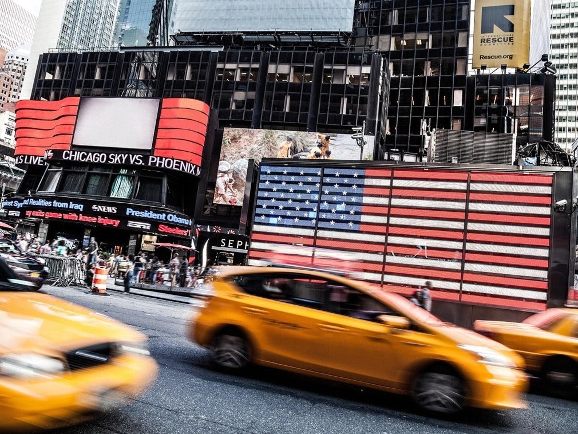 美国国会预算办公室预计,2020财年(2019年10月1日至2020年9月30日)联邦预算赤字将达3.3万亿美元,是2019财年的三倍多。 。 ﹙资料图片﹚